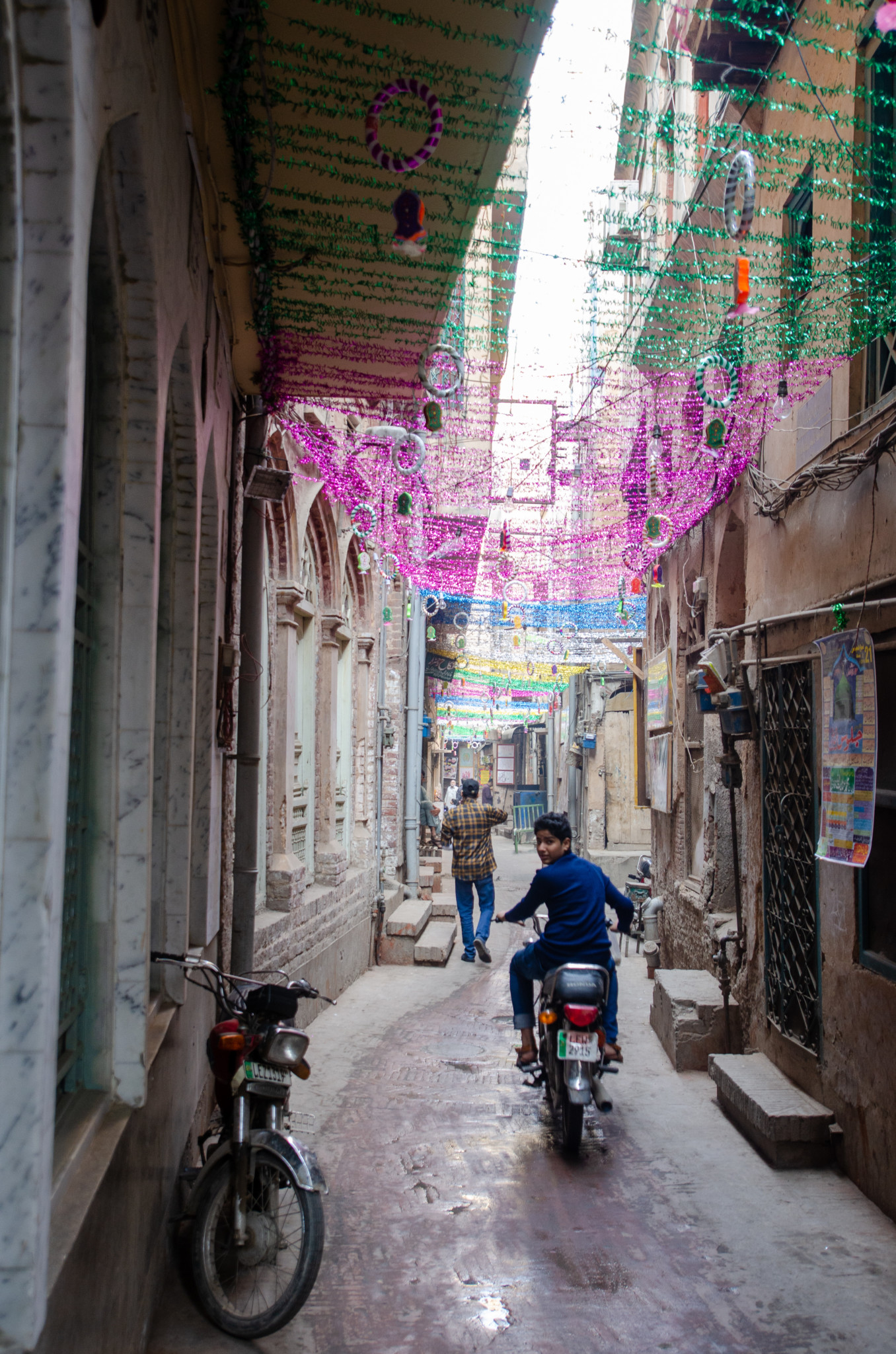 Gasse in der Walled City von Lahore