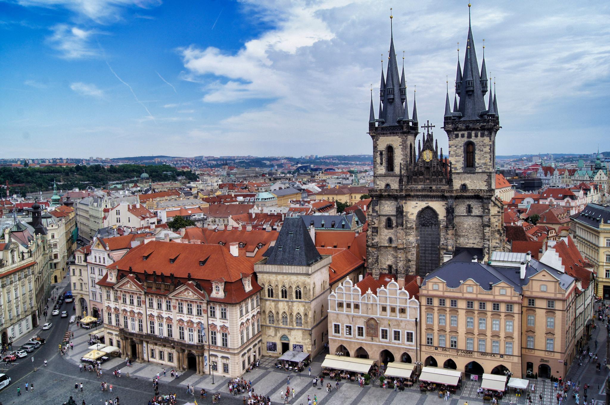 Ausblick auf die Altstadt von Prag mit Sehenswürdigkeiten