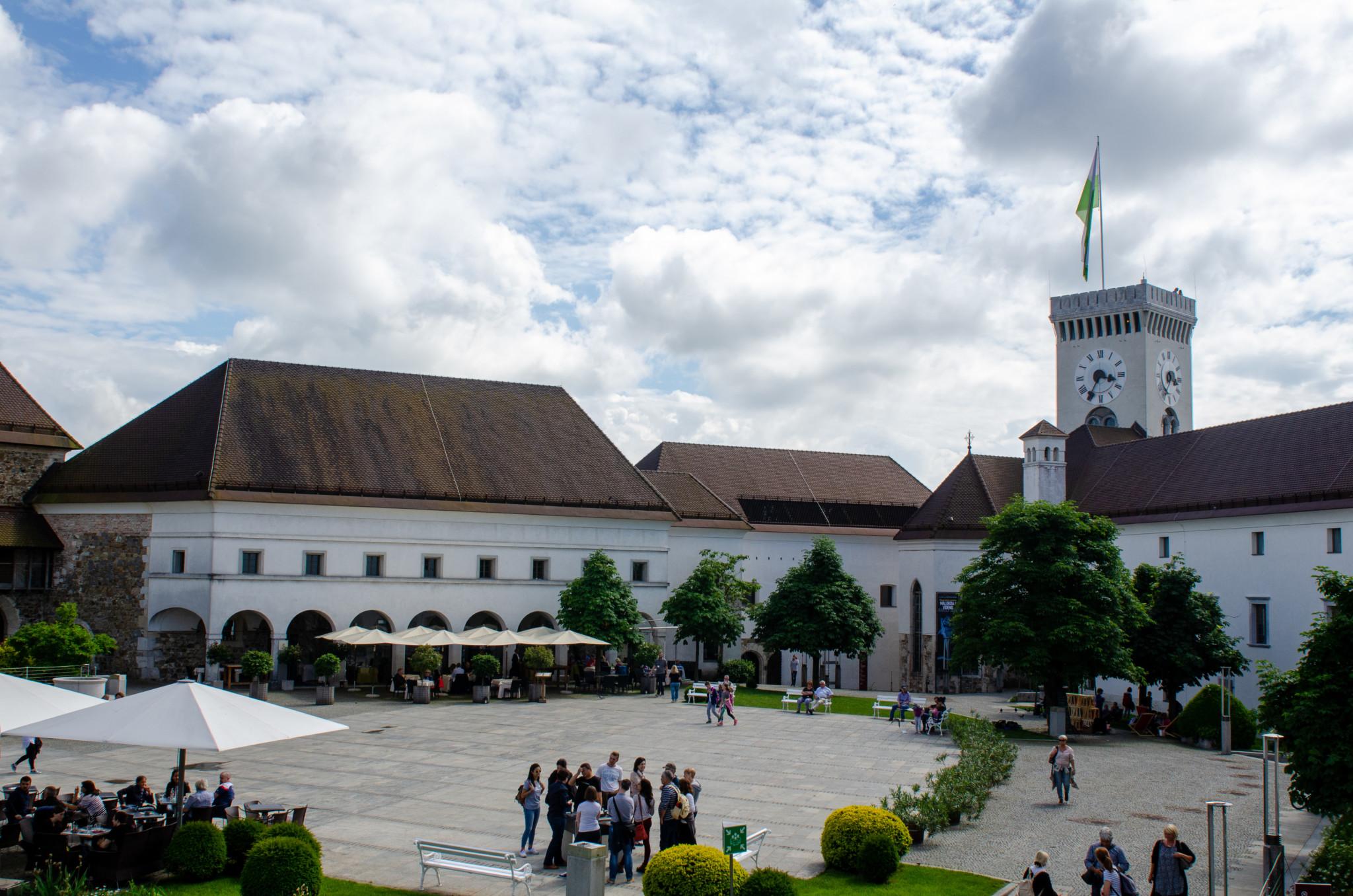 Die Burg von Ljubljana gehört auch zu wichtigen Slowenien Sehenswürdigkeiten