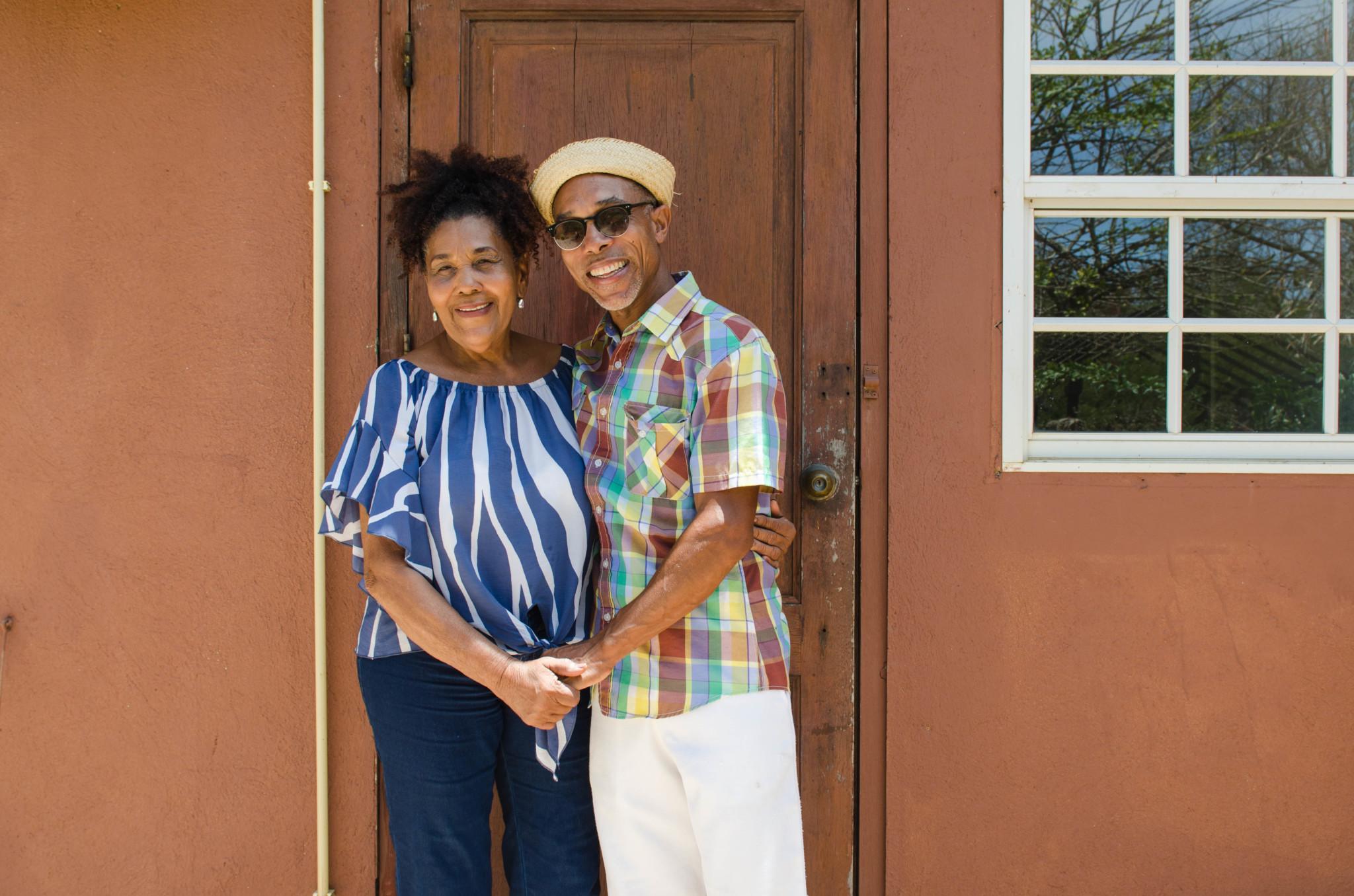 Dinah Veeris und ihr Sohn bieten Kräutertouren an