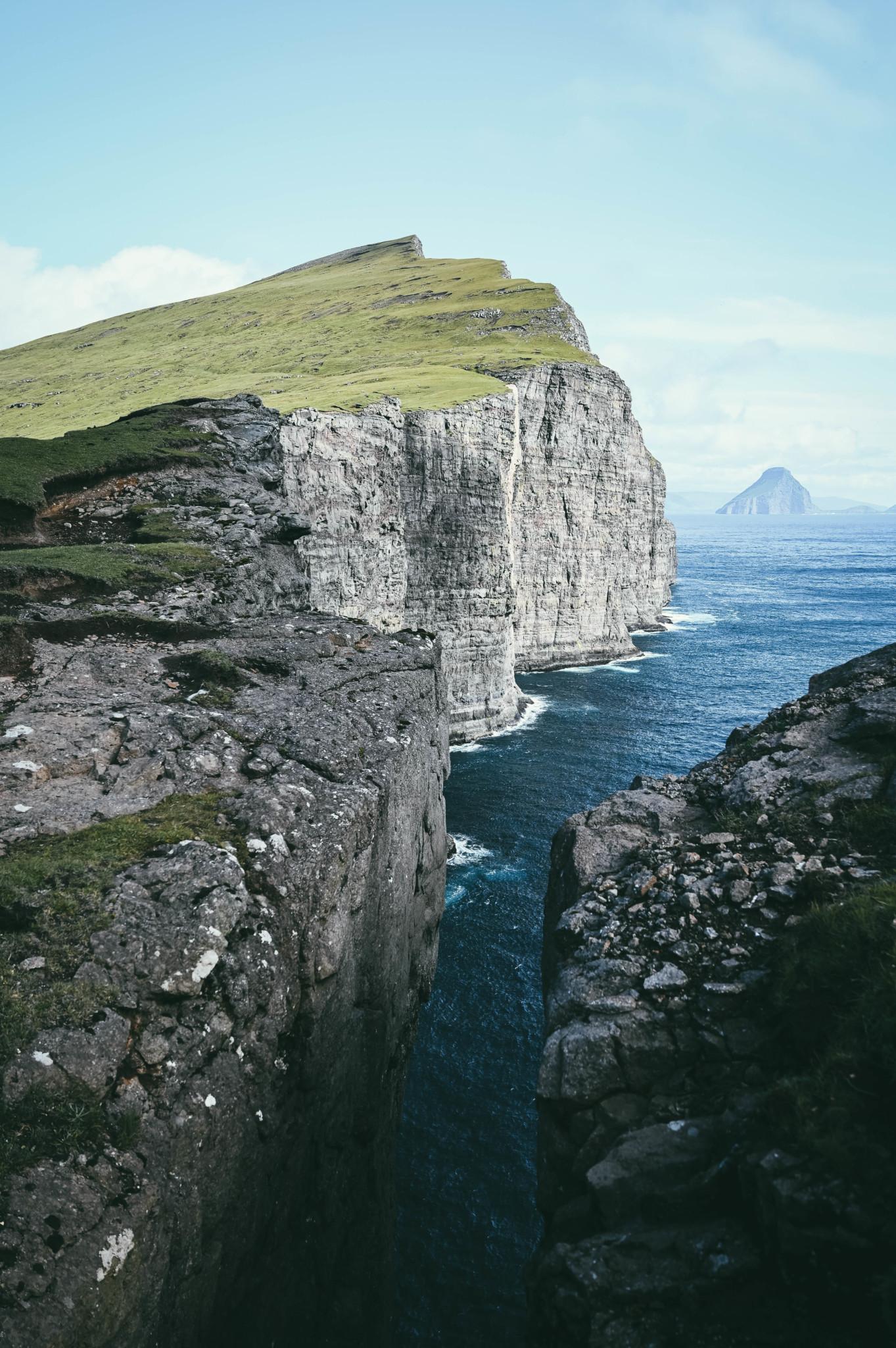 Höhenangst sollte man im Färöer Inseln Urlaub nicht haben