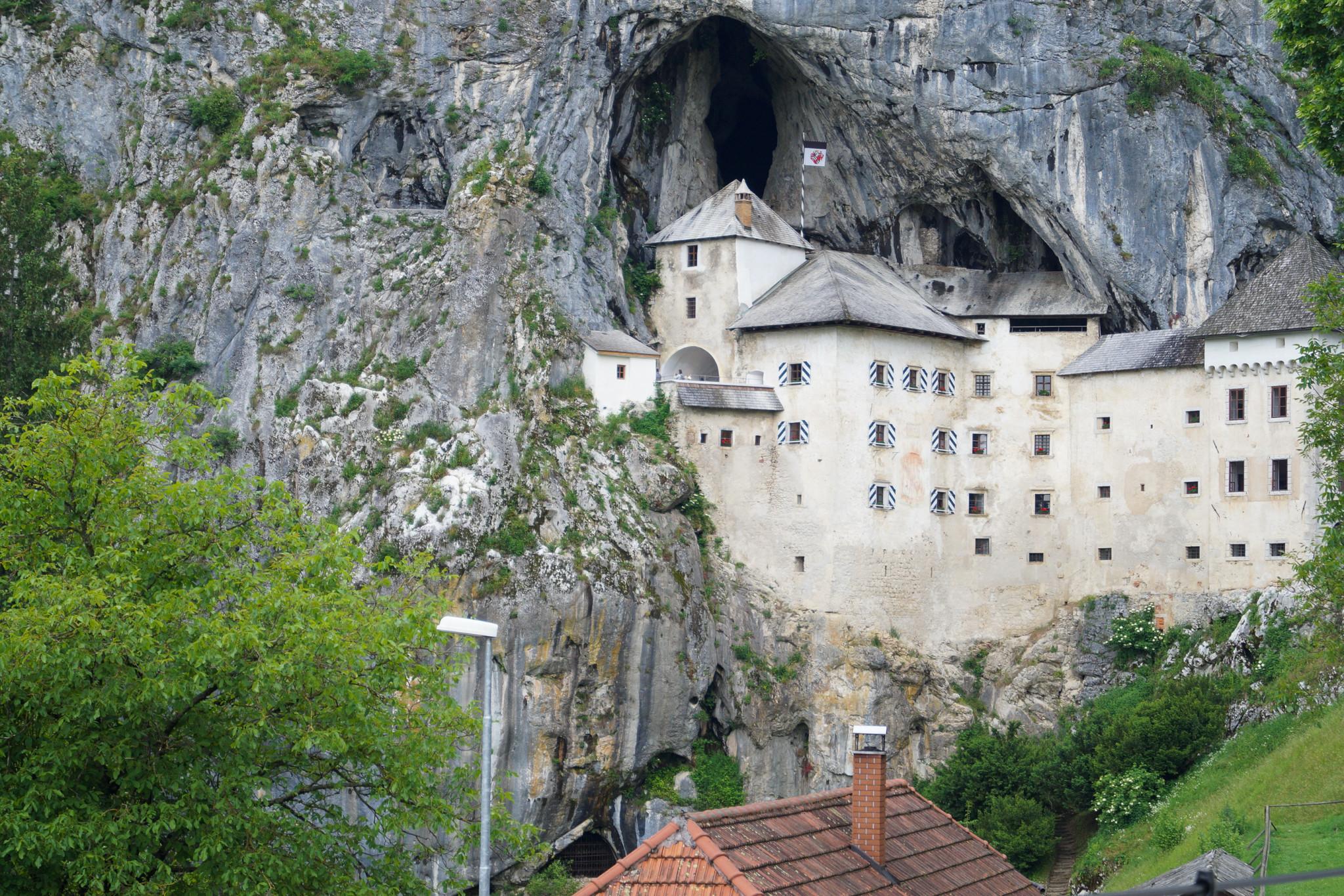 Die Felsenburg Predjama ist kein wirklicher Geheimtipp Slowenien