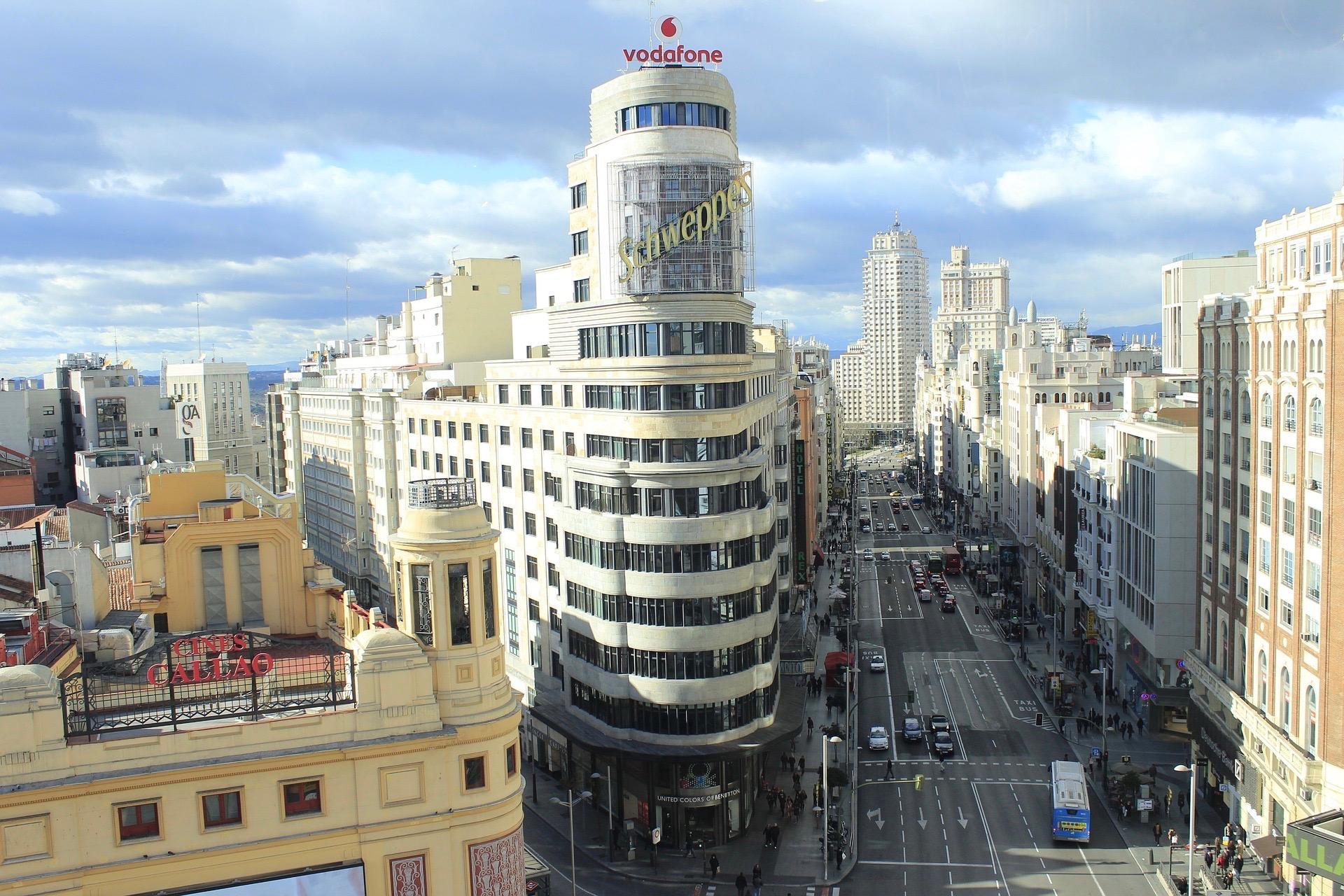 Ausblick auf die Gran Via vom El Corte Ingles aus