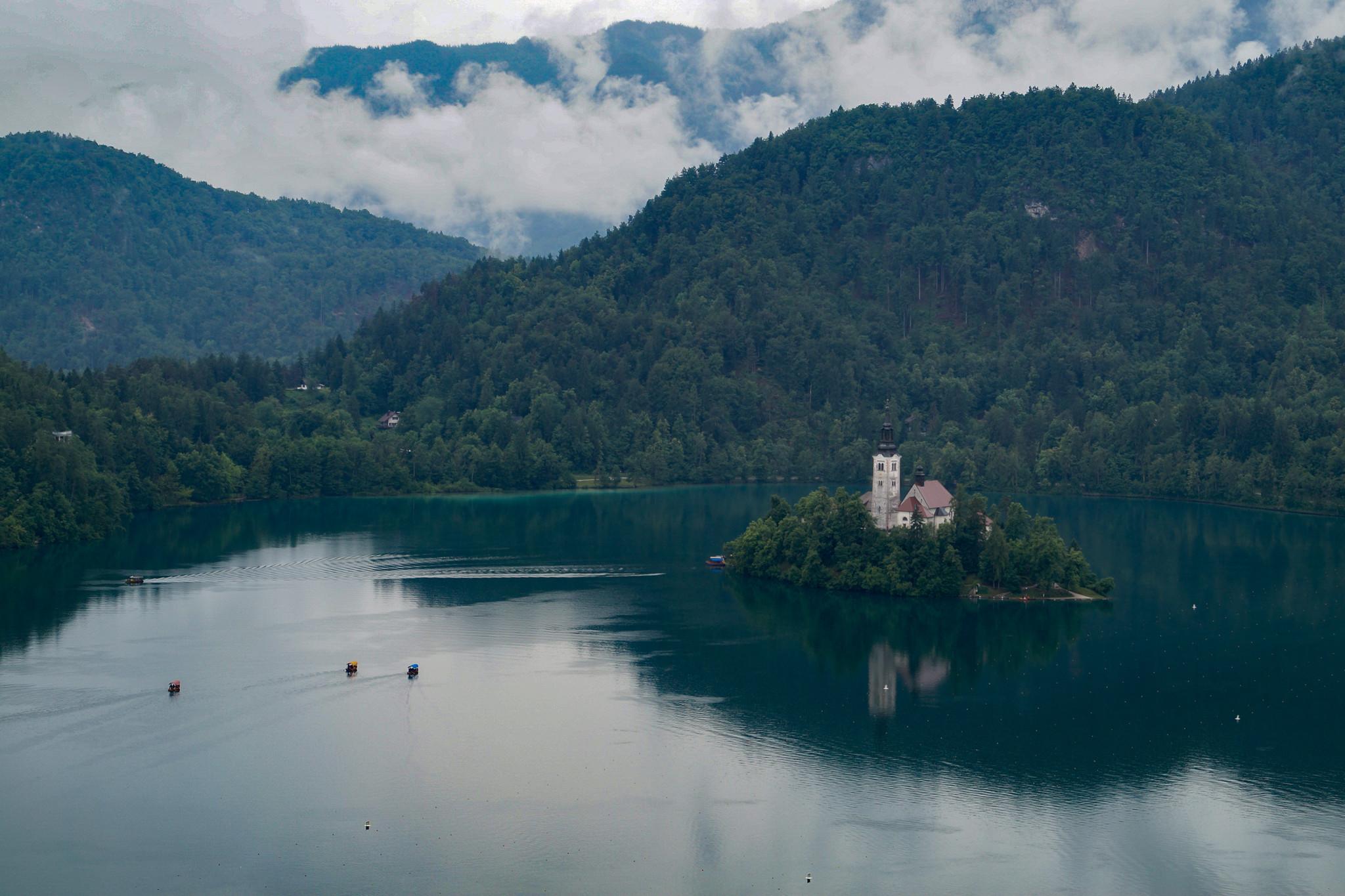 Der Bleder See mit seiner Insel zählt zu den wichtigsten Slowenien Sehenswürdigkeiten