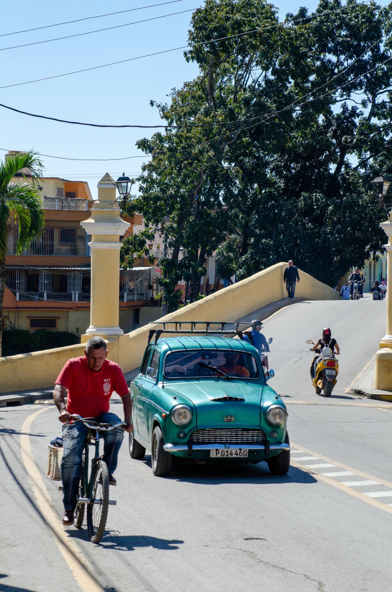 Oldtimer und alte Fahrräder sieht man in Kuba heute überall