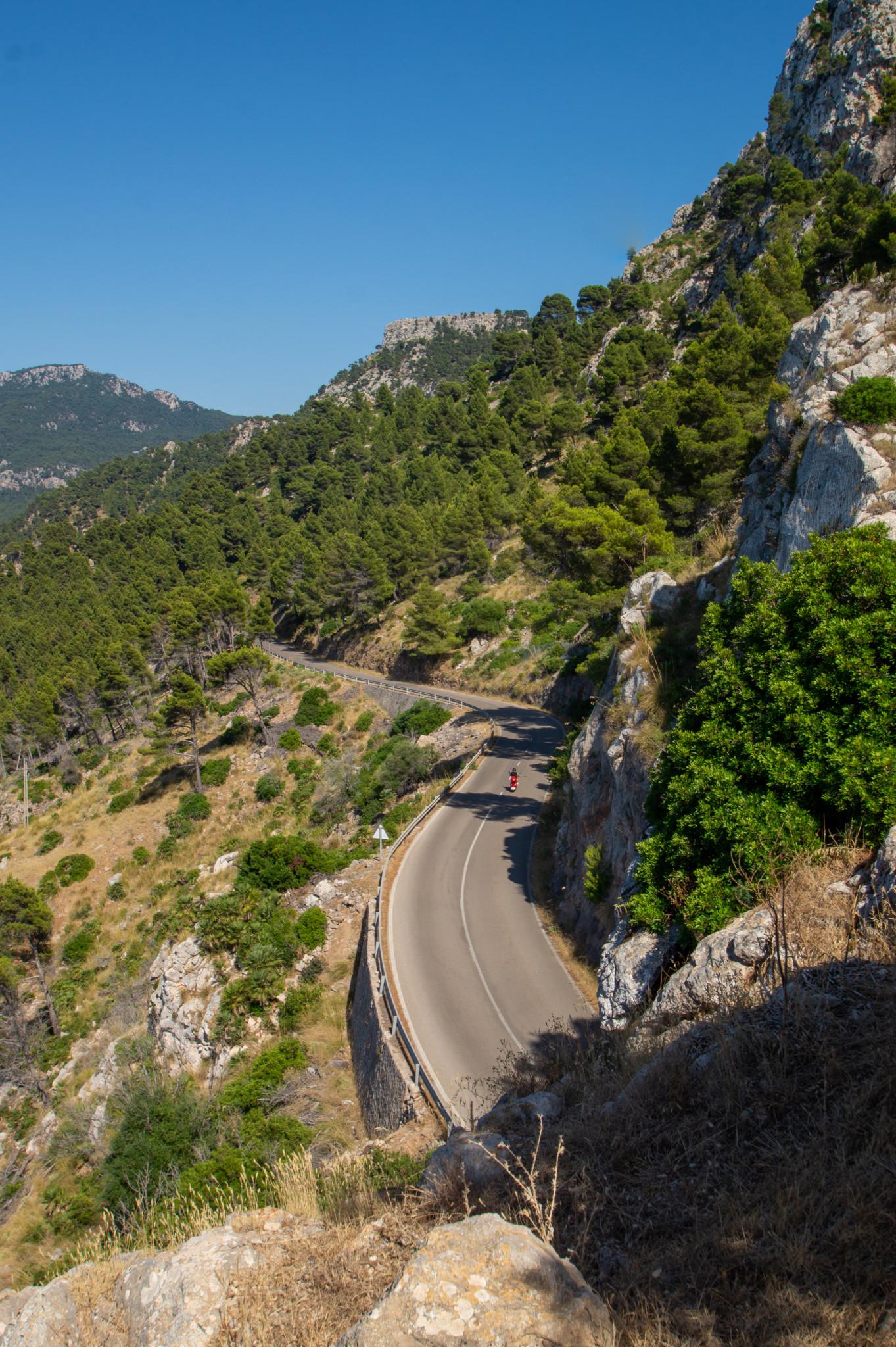 Serpentinen gehören zum Mallorca Urlaub dazu