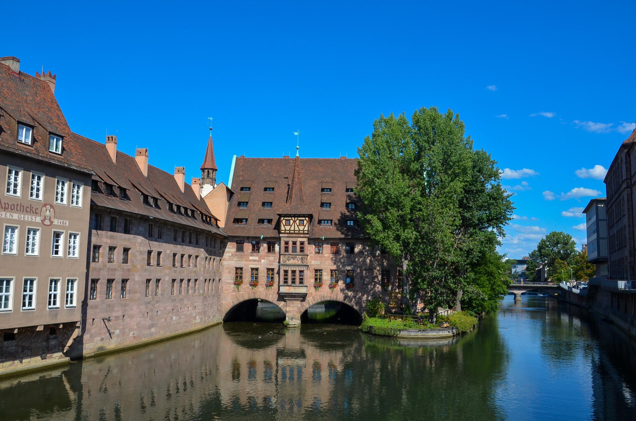 Brücken gibt es Nürnberg überall