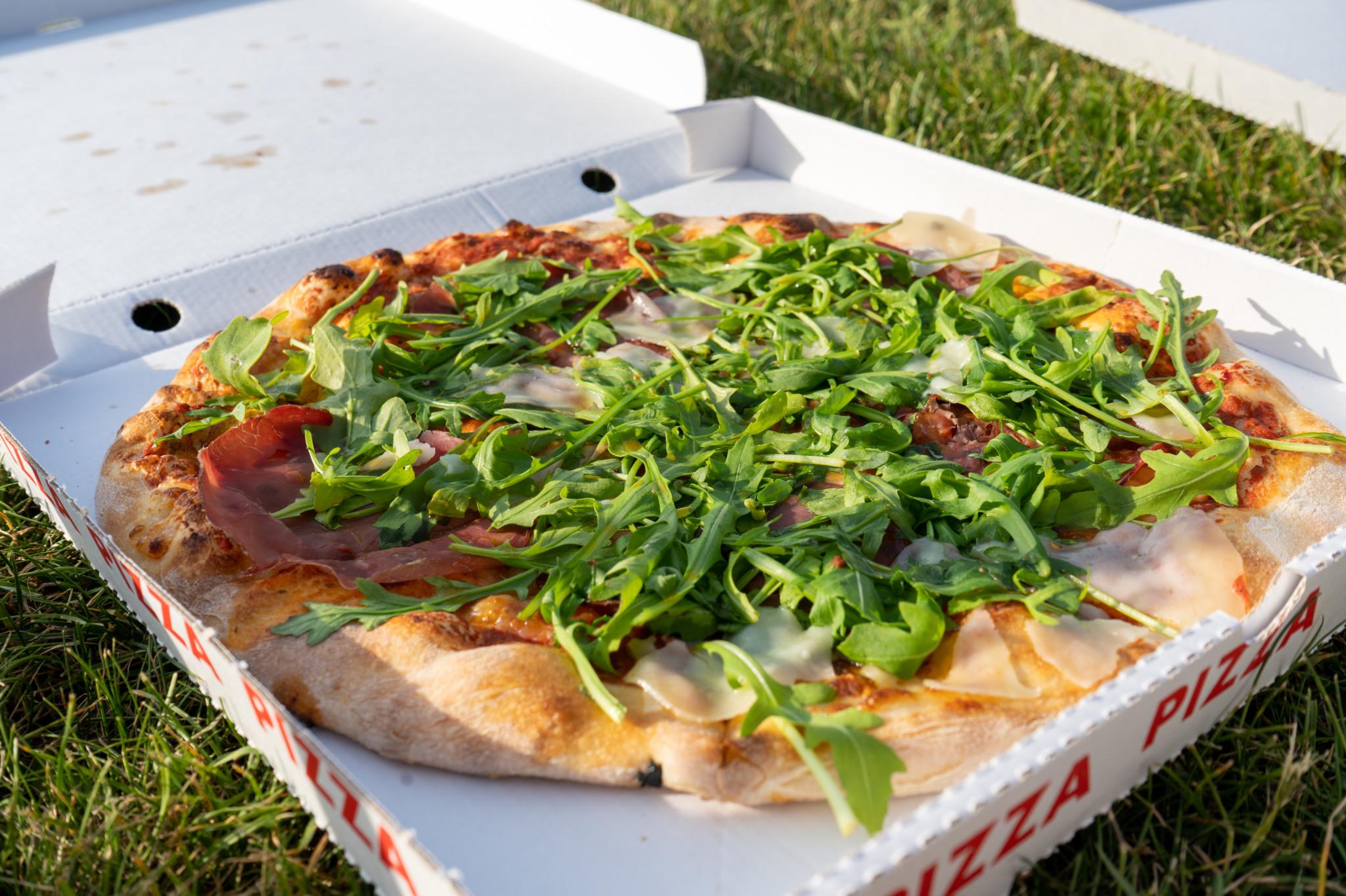Pizza von der Pizzeria Sole am Moselufer in Koblenz