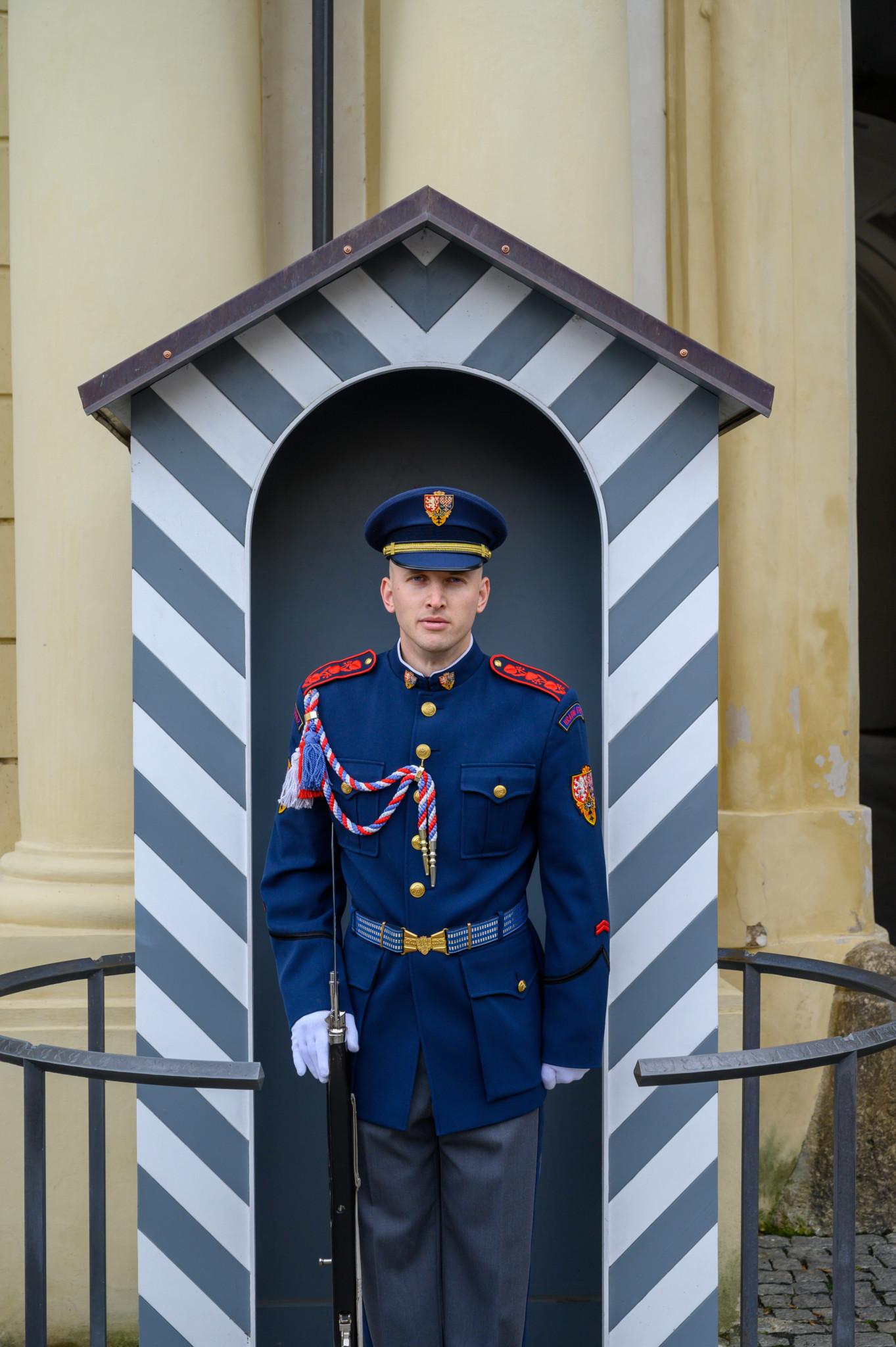 Soldat in der Prager Burg