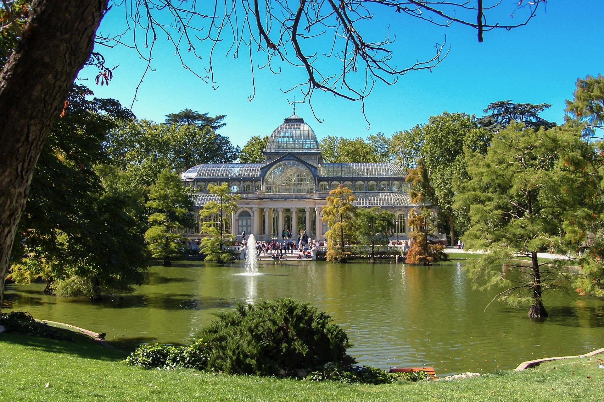 Eine grüne Madrid Sehenswürdigkeit: Der Park Retiro