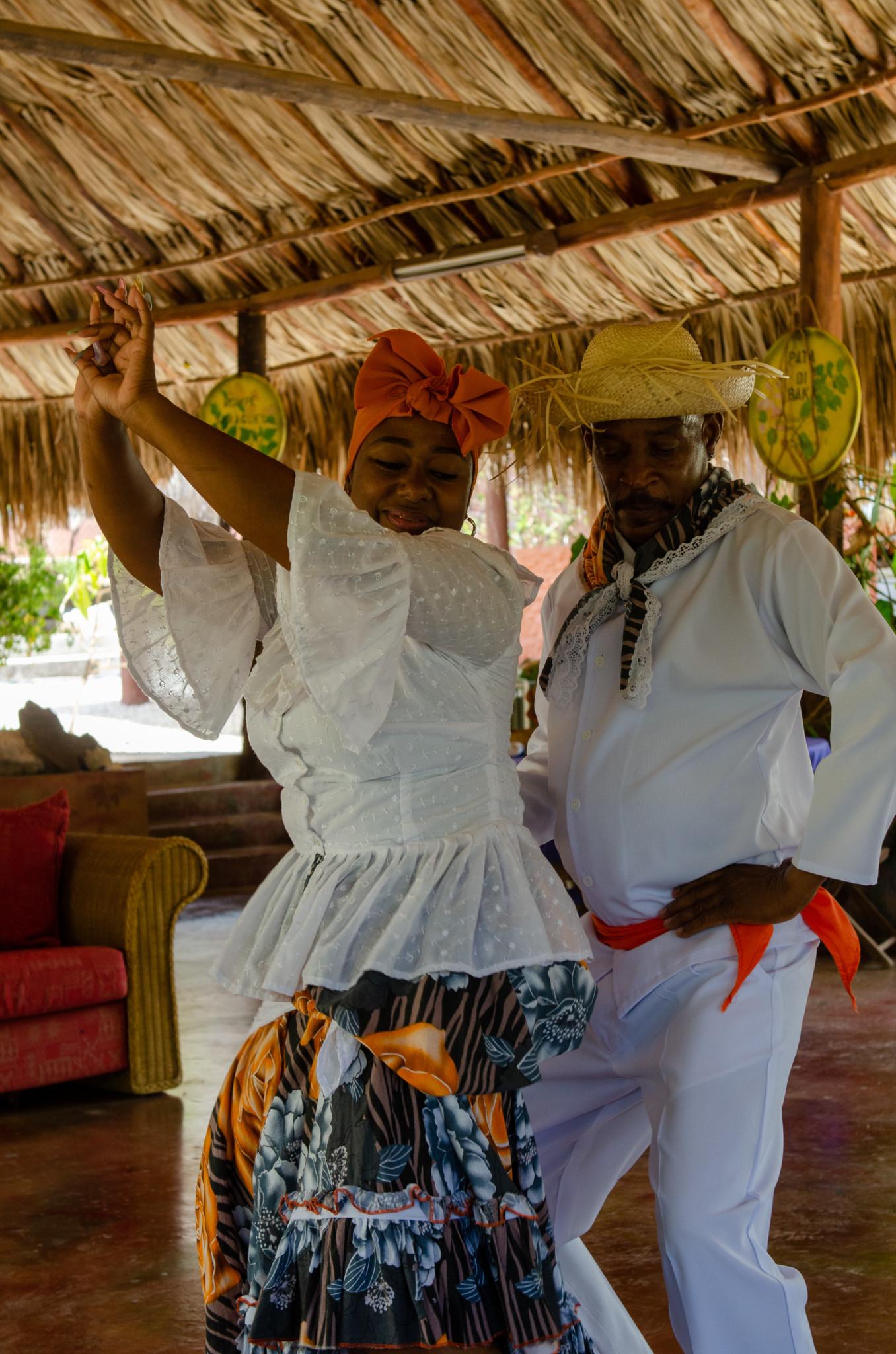 Traditionellen Tanz ist ein besonderer Curacao Tipp