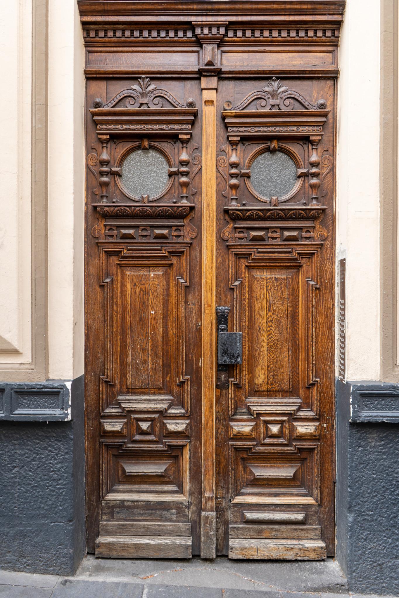 Schöne Türen gibt es in Koblenz überall