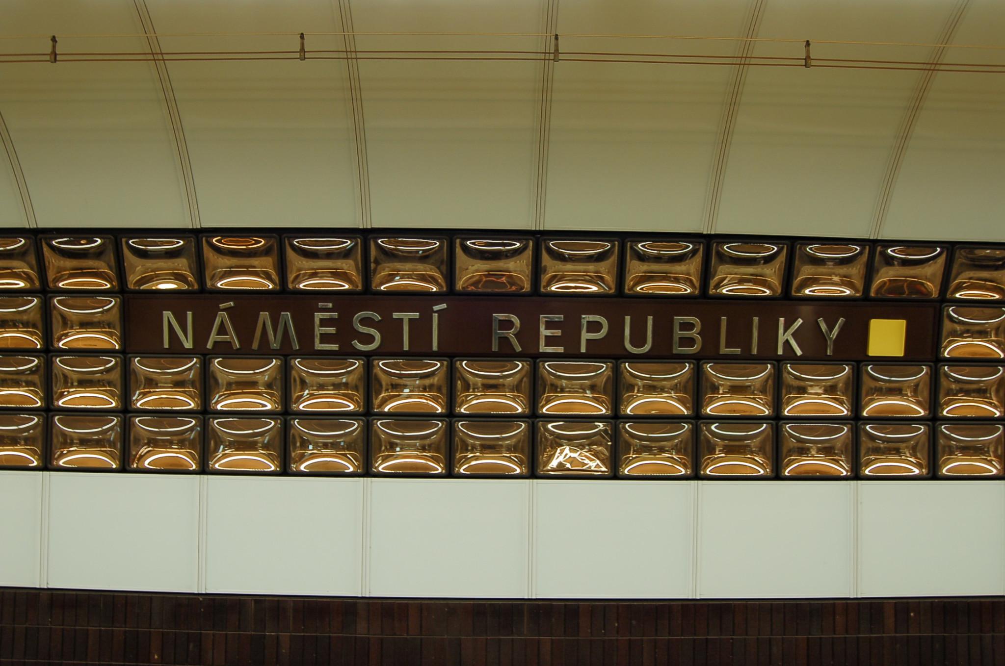 Schöne Metro-Stationen gibt es in der tschechischen Metropole überall