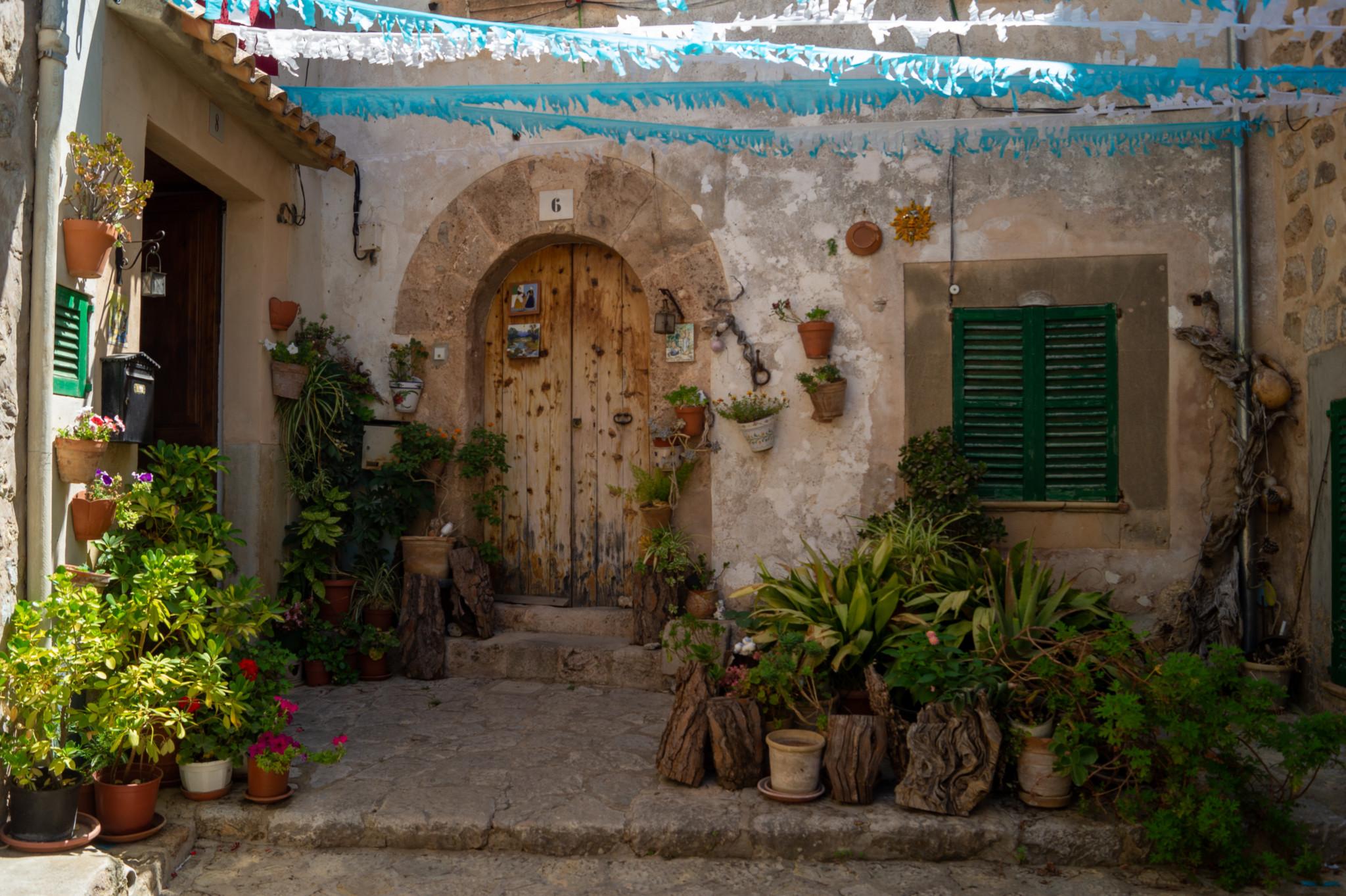 Typische Fassade in Valldemossa auf Mallorca