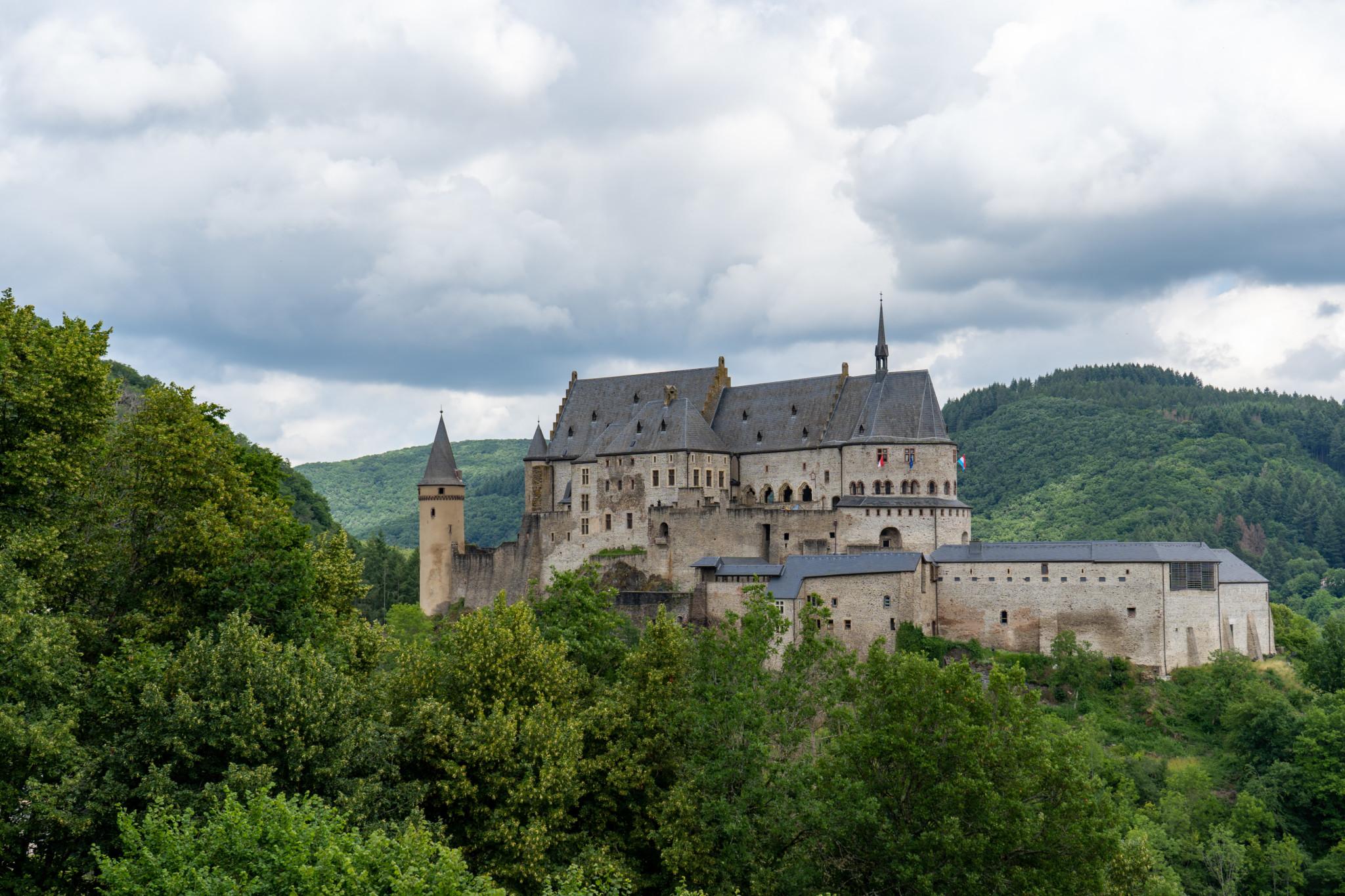 Schloss Vianden ist eine der wichtigsten Sehenswürdigkeiten in Luxemburg