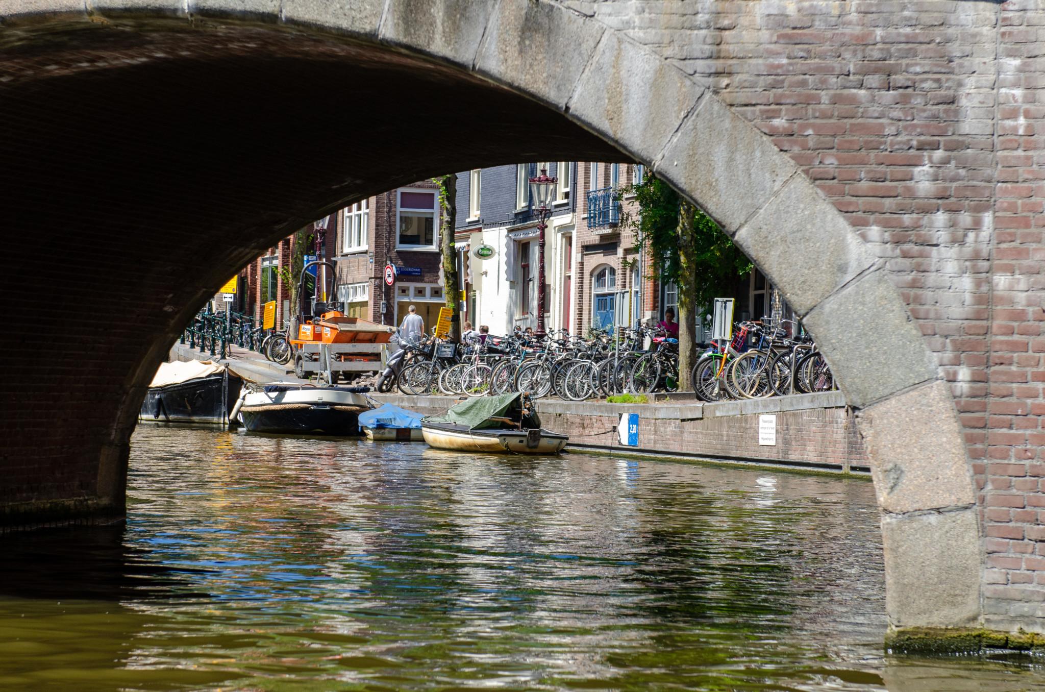 Durch die Grachten von Amsterdam