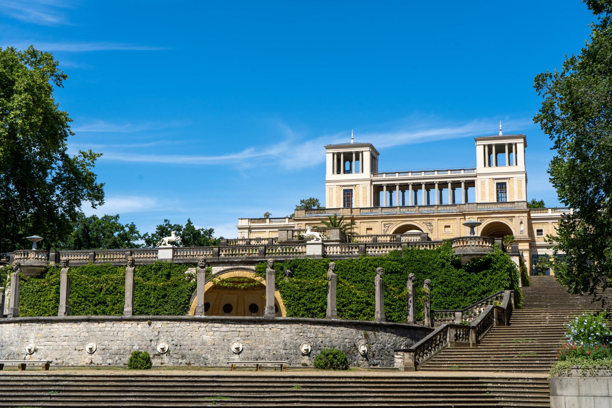 Das schicke Orangerieschloss steht unweit vom Schloss Sanssouci entfernt
