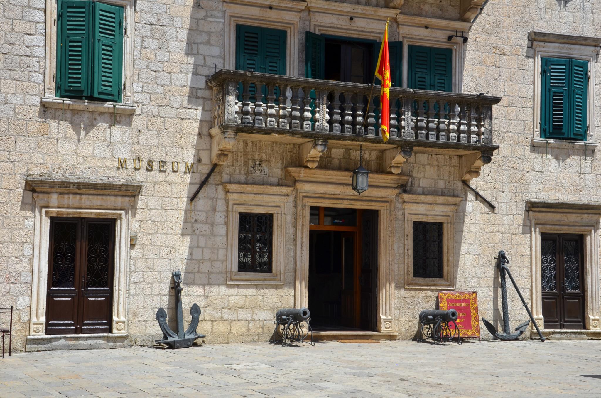 Palata Grgurina in der Bucht von Kotor