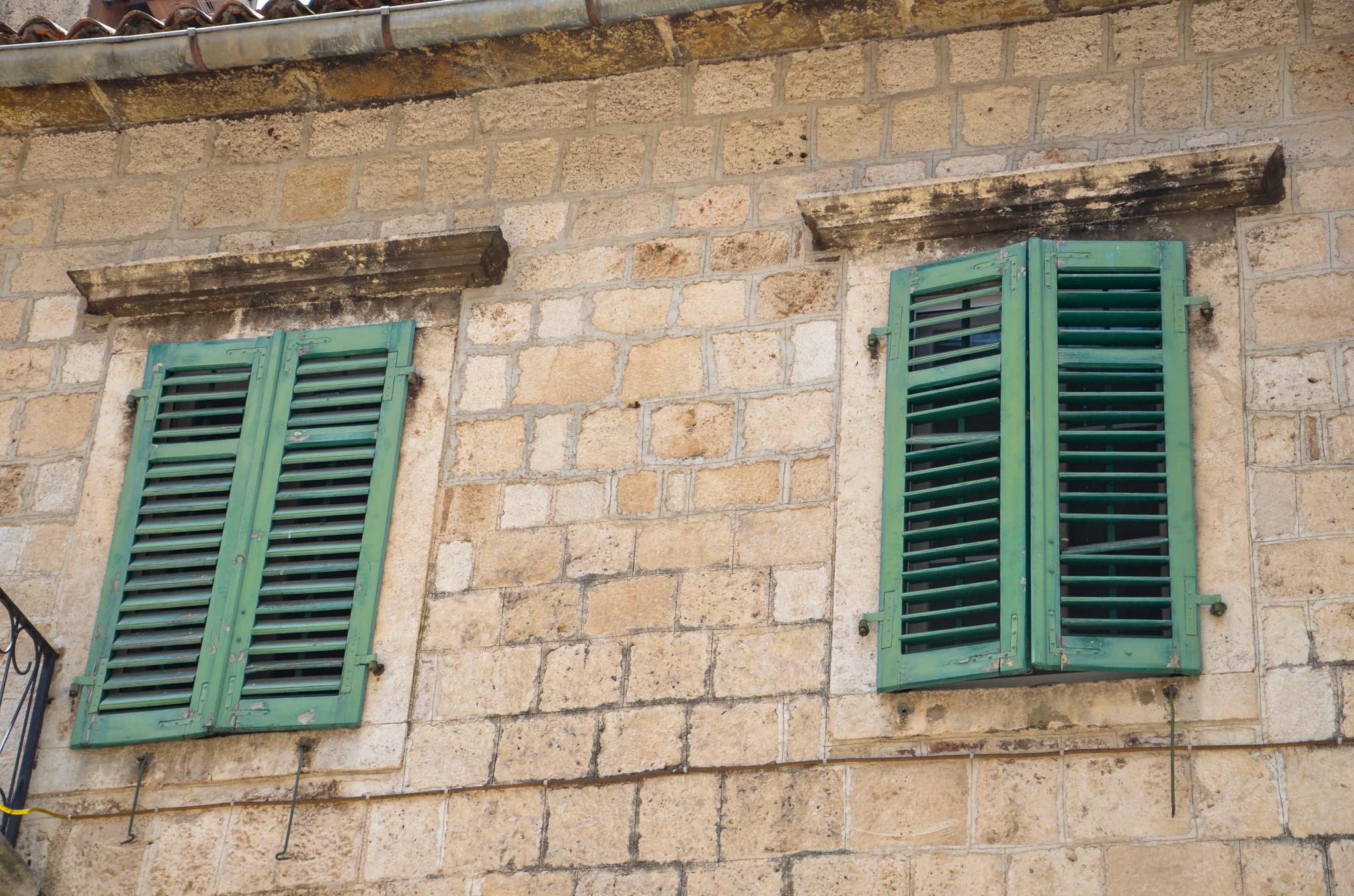 Der Palast Palata Pima in der Bucht von Kotor