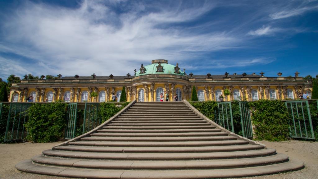 Schloss Sanssouci gehört zu den wichtigsten Potsdam Sehenswürdigkeiten