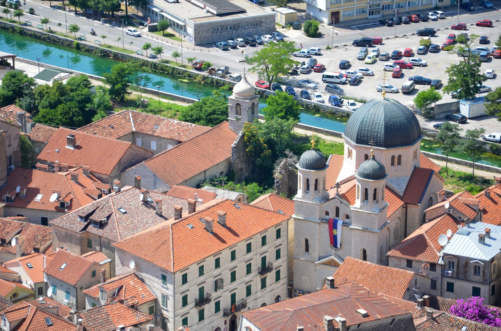 Die Sveti Nicola in der Bucht von Kotor