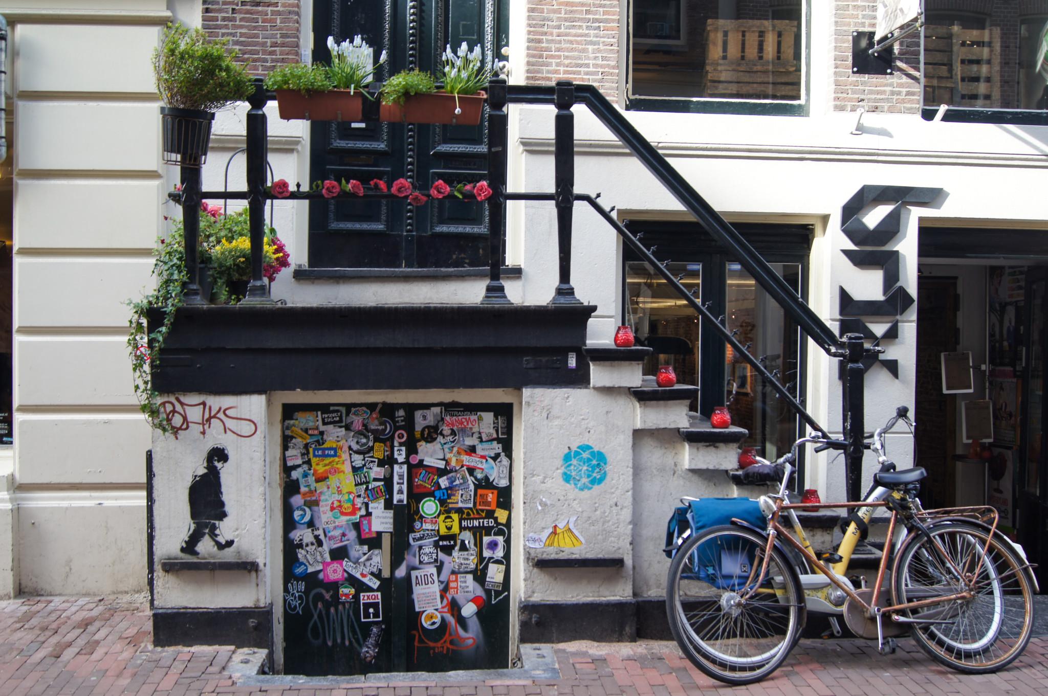 Coole Cafés gibt es vor allem in De Pijp