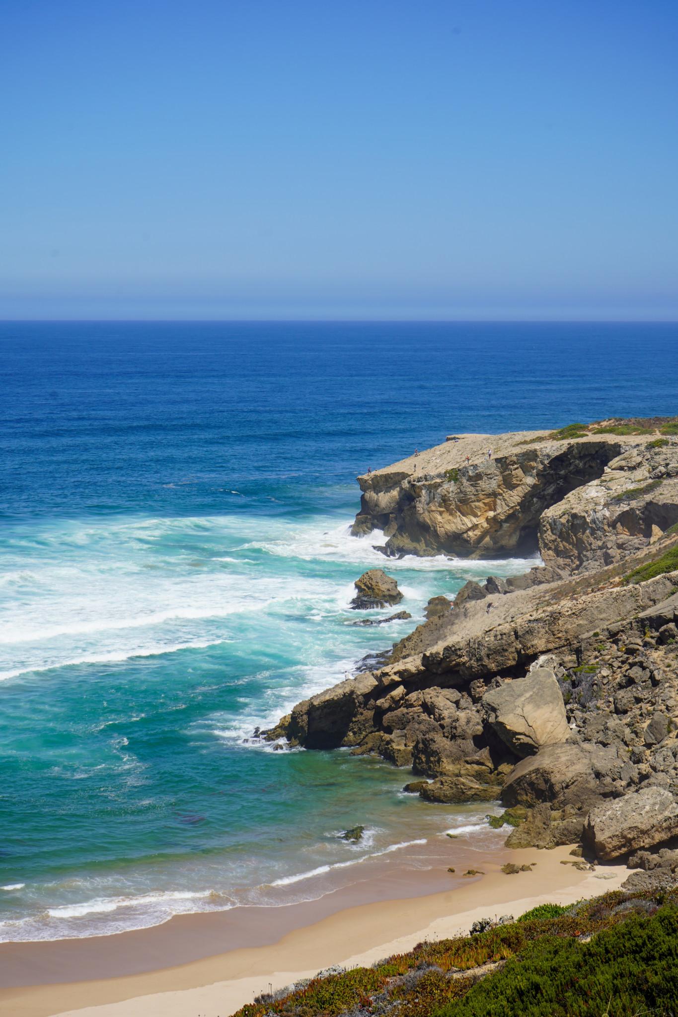 Typische Felsenküste an der Algarve