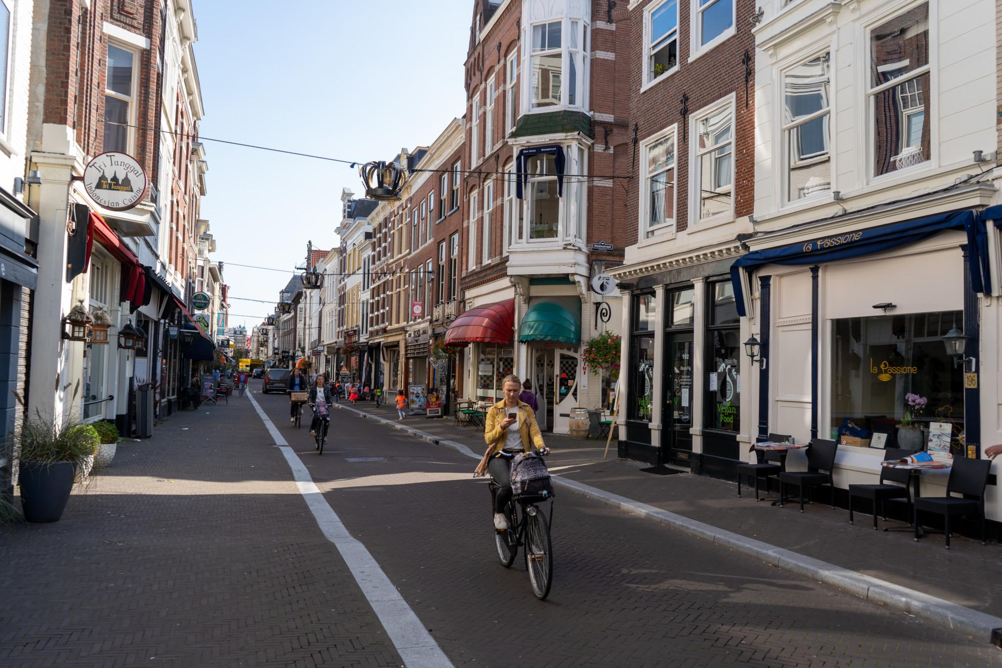 Typische Straße in Den Haag