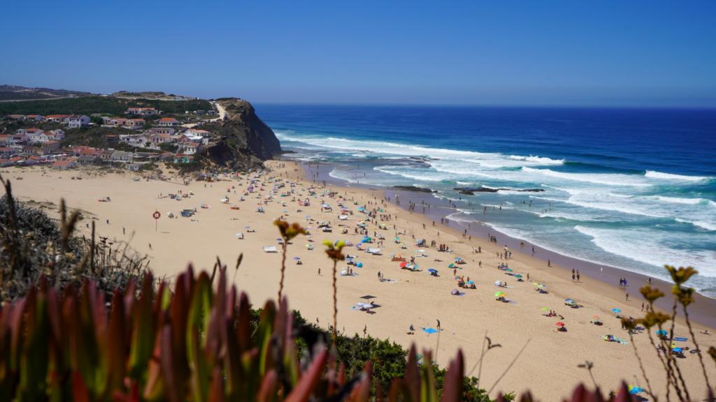 Ausblick auf den Praia Monte Clérigo