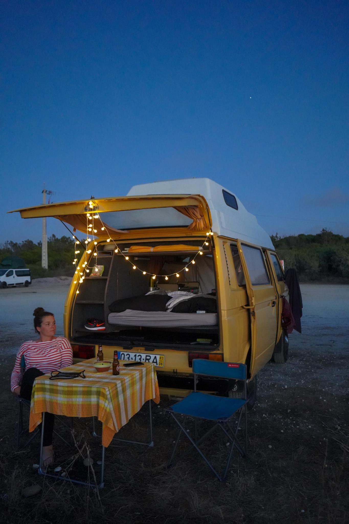 Ein Abend im Campervan in Portugal