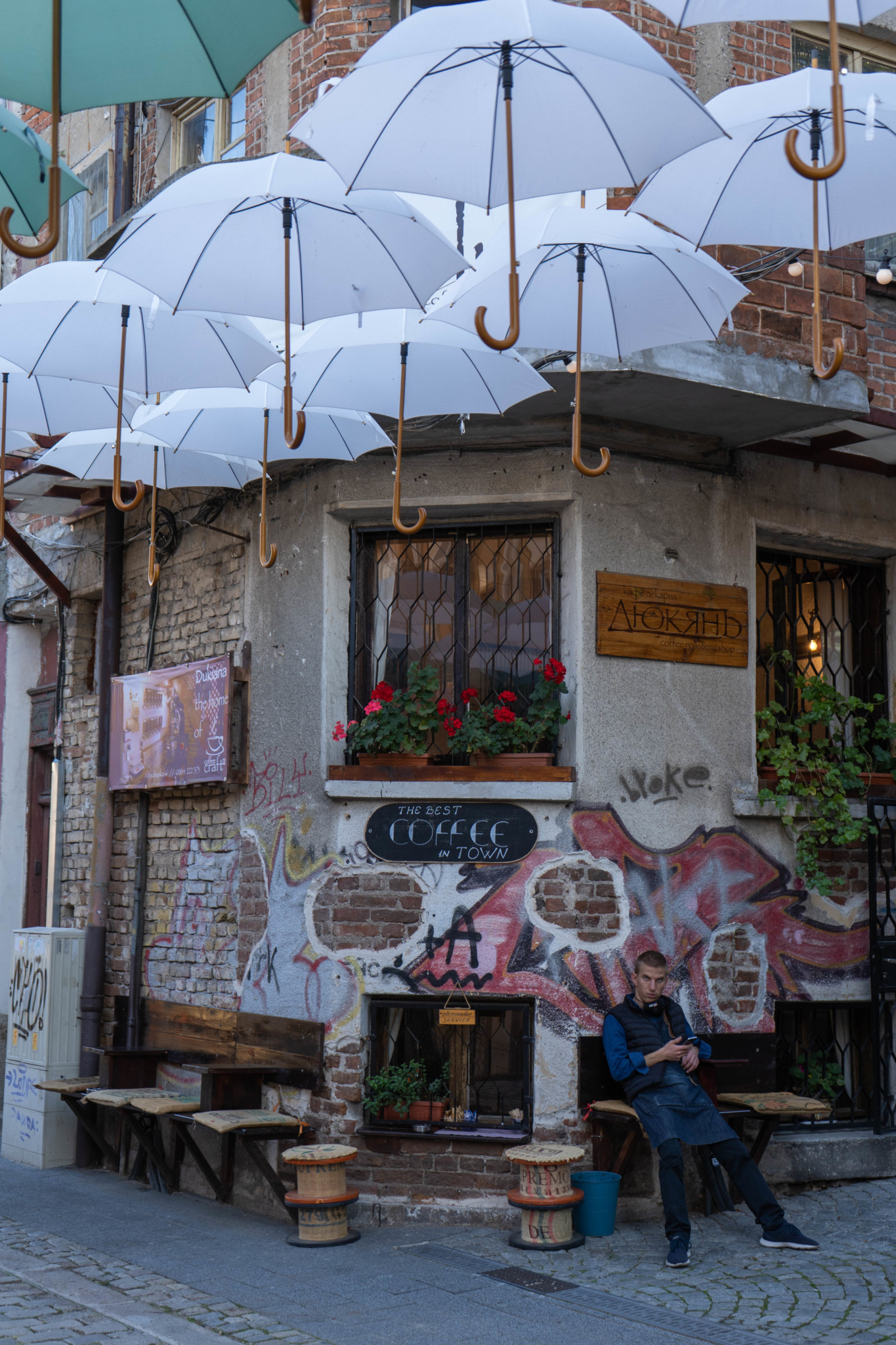 Regenschirme in Kapana in Plovdiv