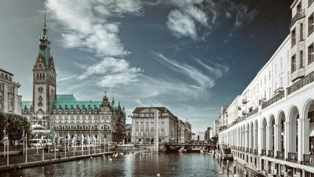Das Rathaus Hamburg zählt zu den schönsten Hamburg Sehenswürdigkeiten