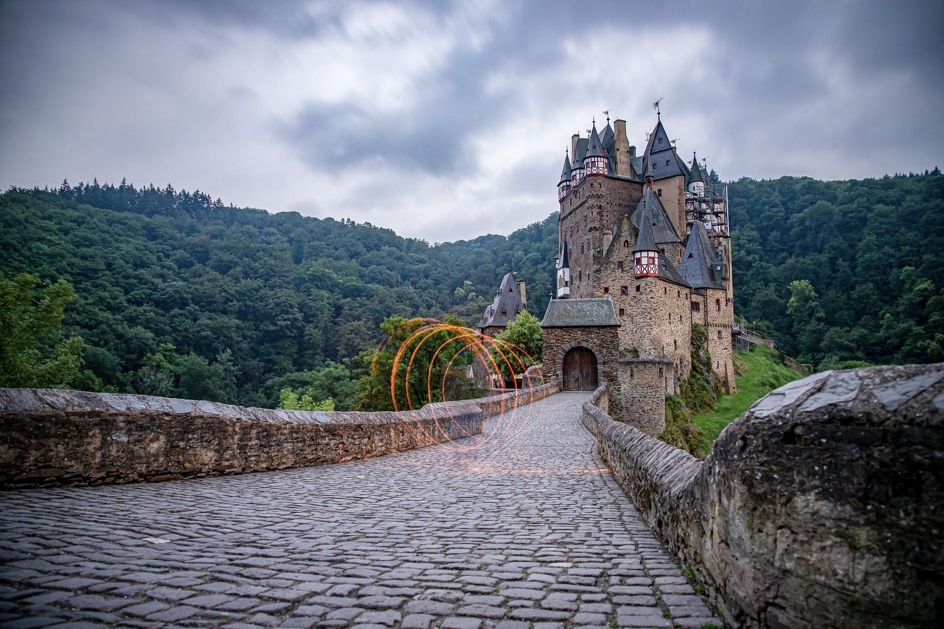 Burg Eltz ist eine der schönsten Deutschland Sehenswürdigkeiten und Highlights