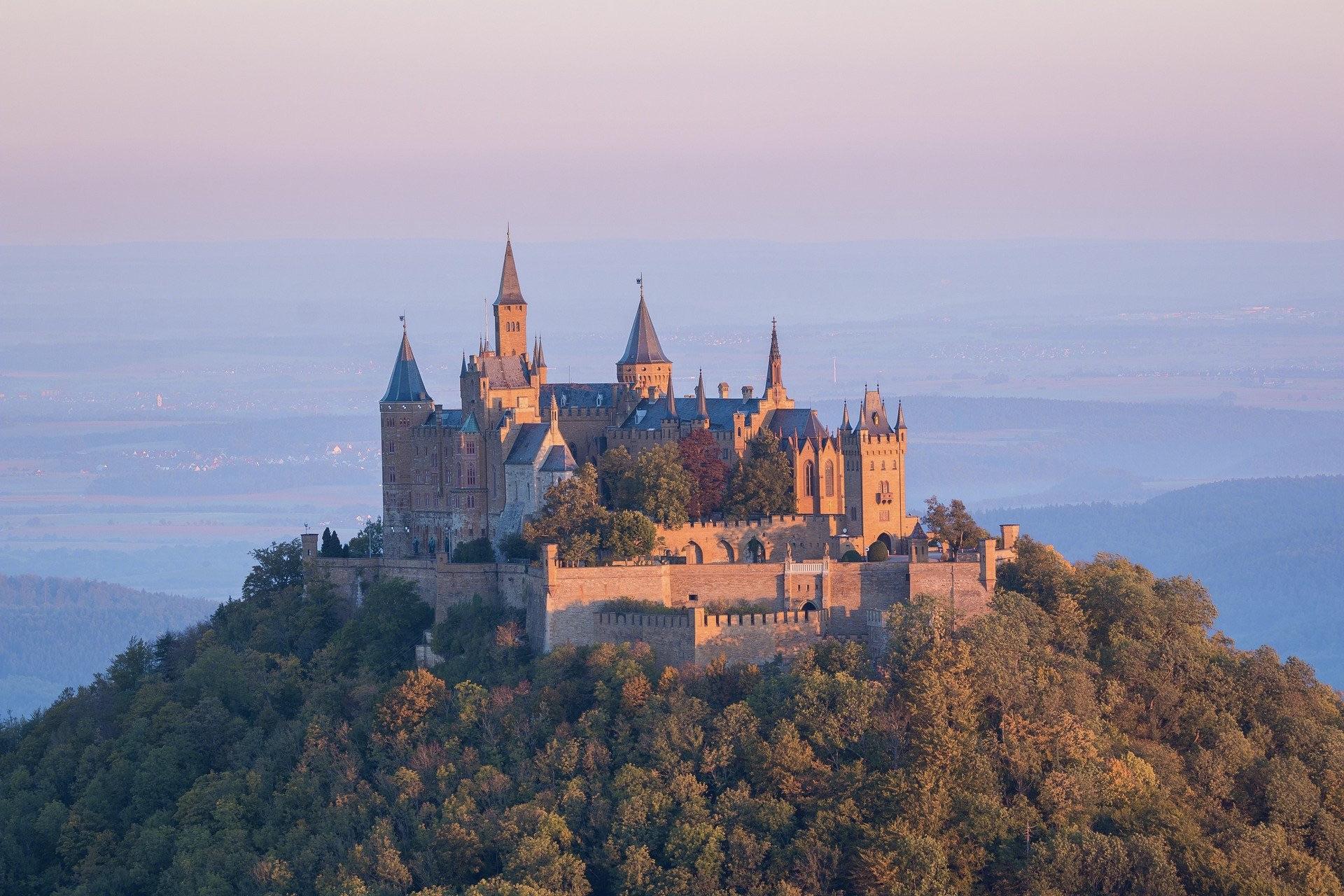 Die Burg Hohenzollern gehört zu den schönsten Deutschland Sehenswürdigkeiten