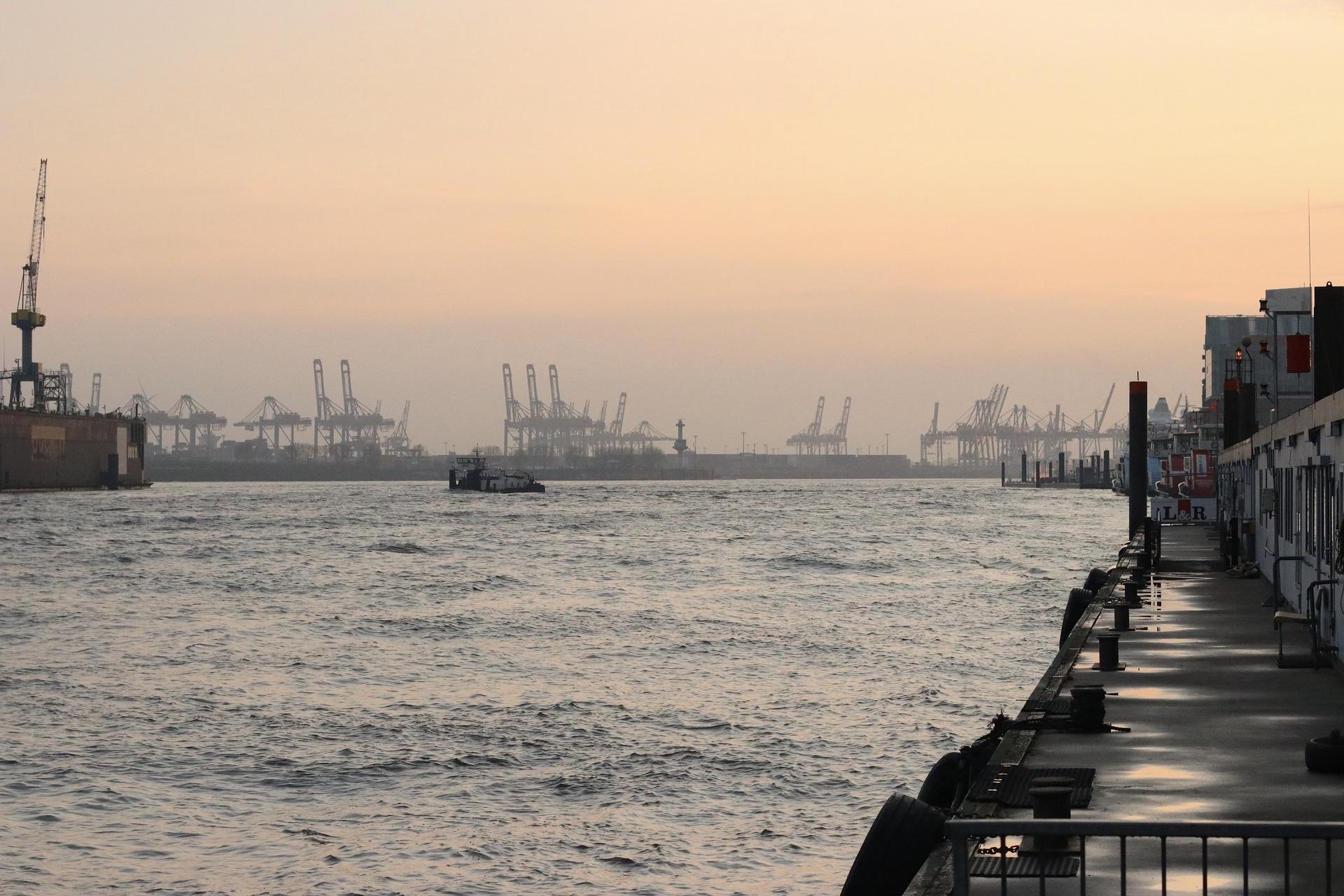 Tickets für die Hafenrundfahrt im Hamburger Hafen