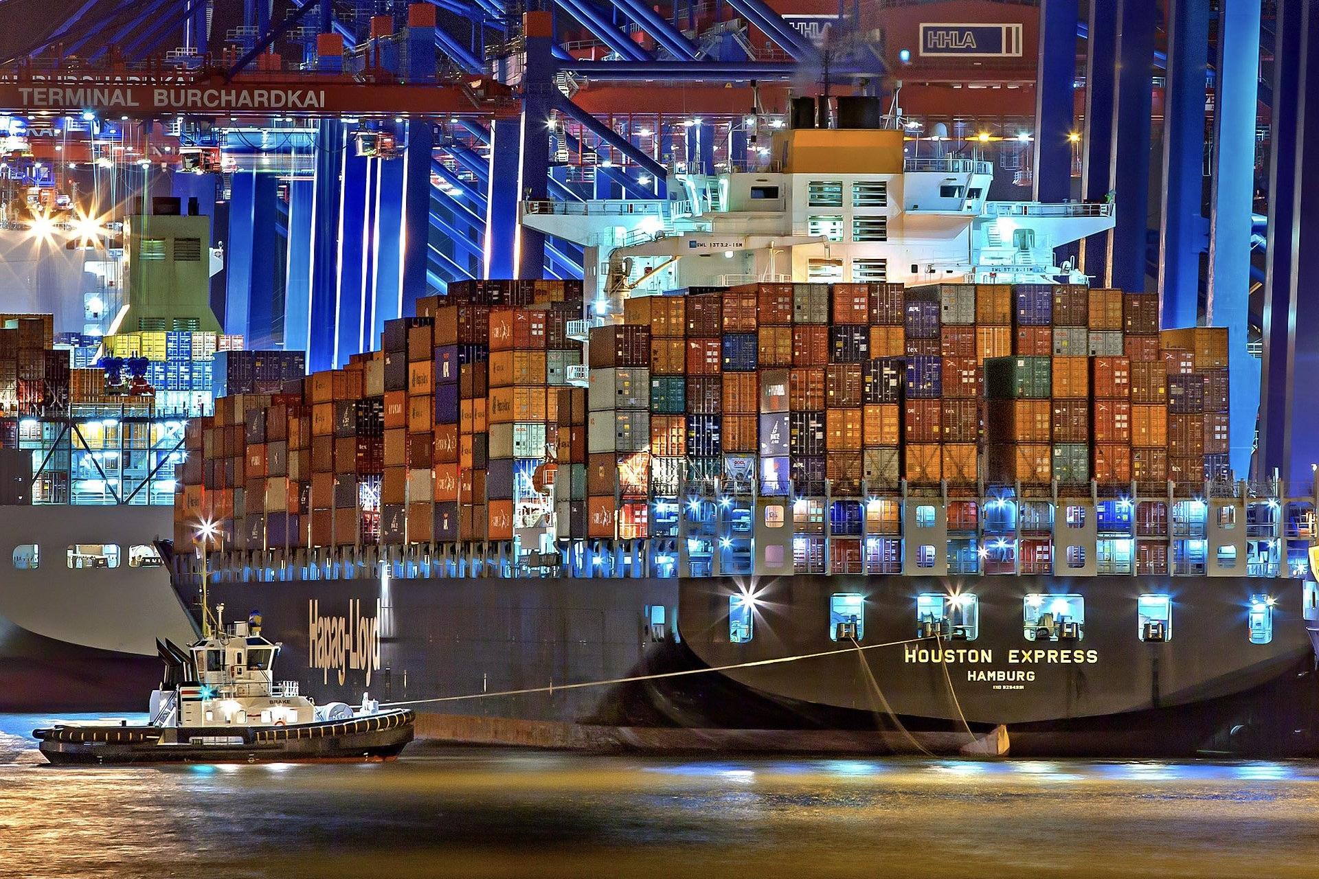 Hamburger Hafen ist einer der sehenswertesten Orte in Hamburg