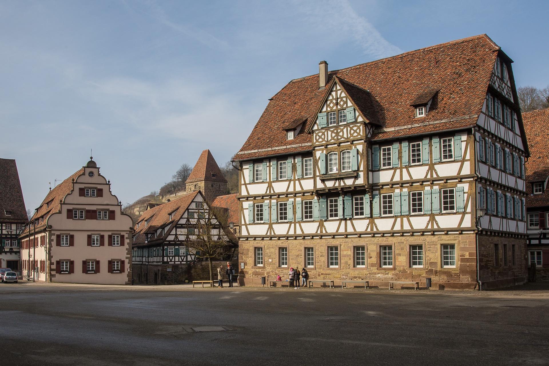 Einer der schönsten Familienausflüge in Baden-Württembergs ist das Kloster Maulbronn