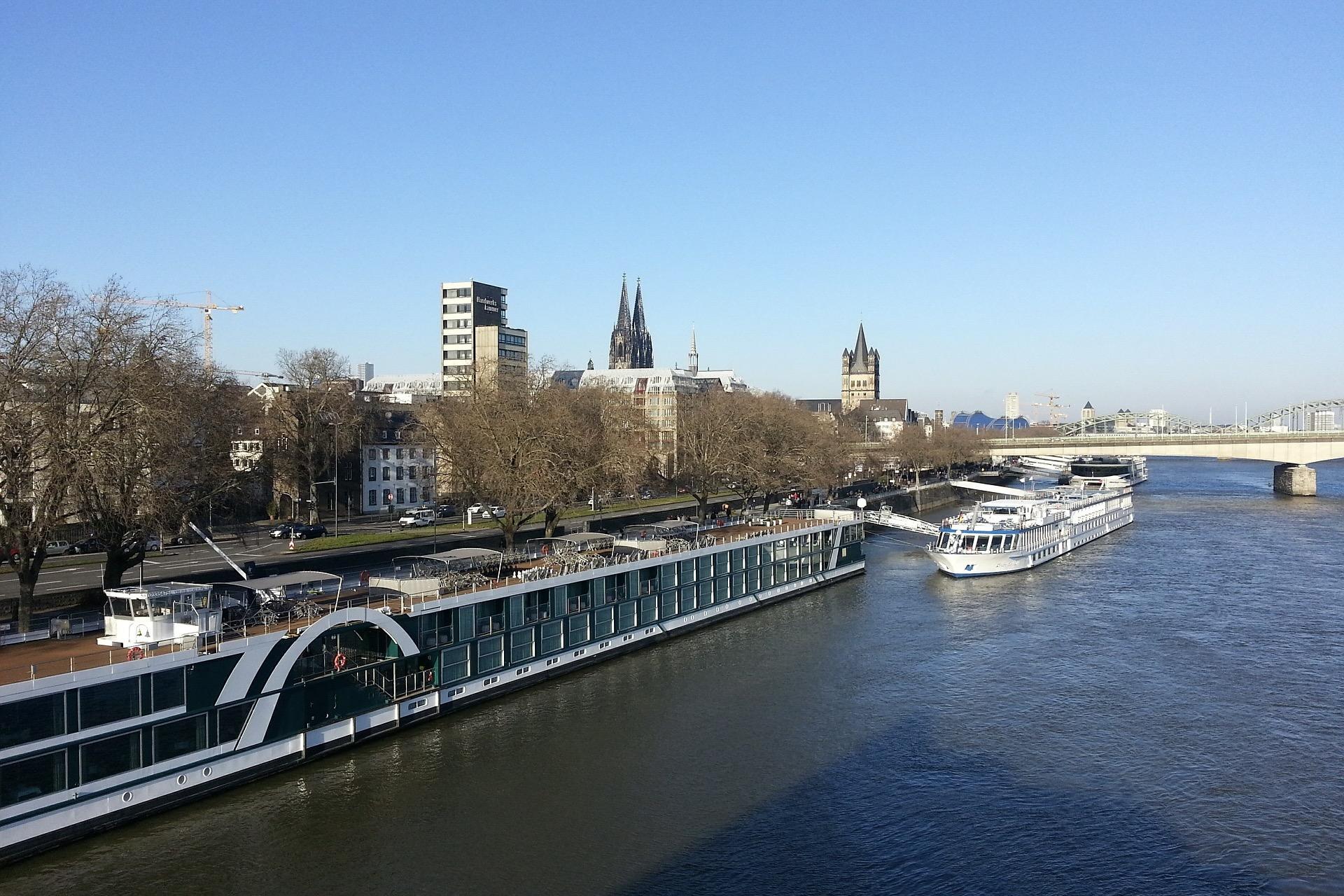 Das Kölner Rheinufer gilt ebenfalls als echte Sehenswürdigkeit