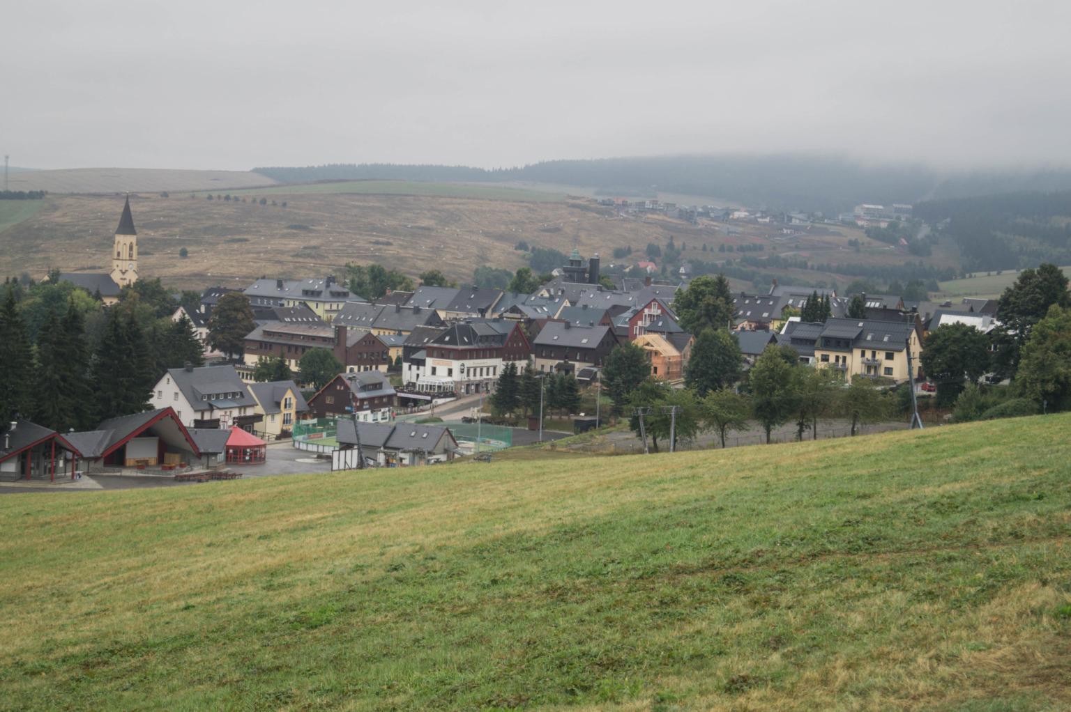 Ausblick auf Oberwiesenthal im Erzgebirge