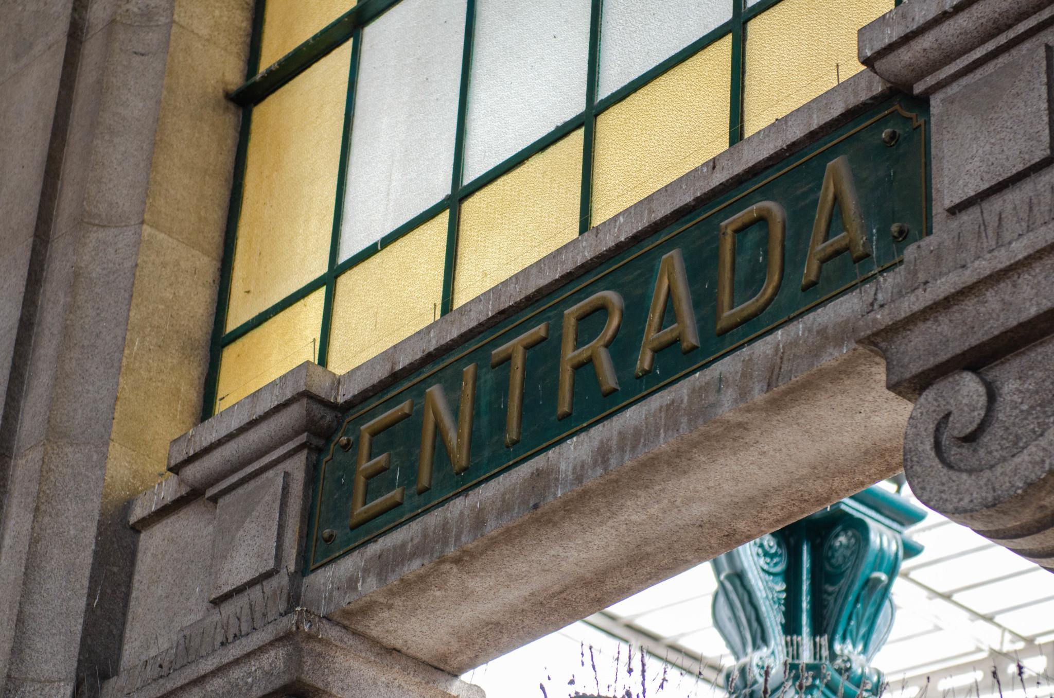 Bahnhof Sao Bento –eine der wichtigsten Porto Sehenswürdigkeiten