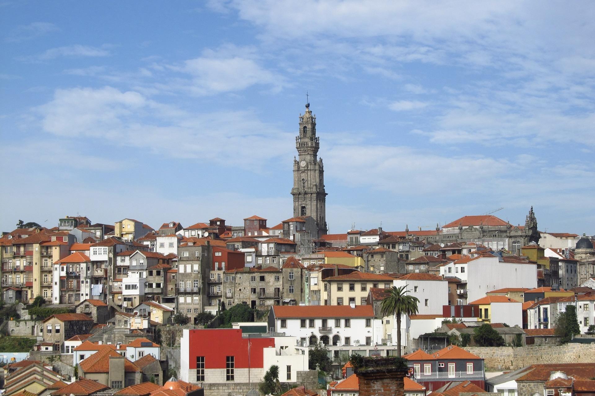 Torre dos Clérigo, wichtig unter den Porto Sehenswürdigkeiten