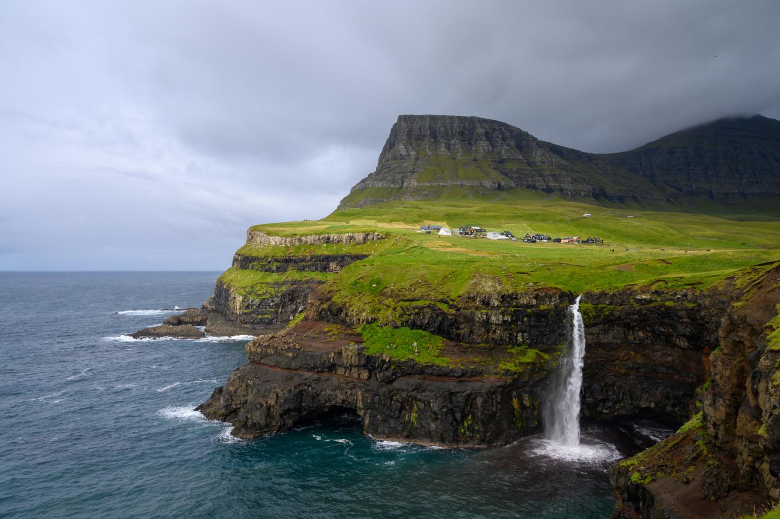 Zu den Europa Roadtrips gehören auch die Färöer Inseln