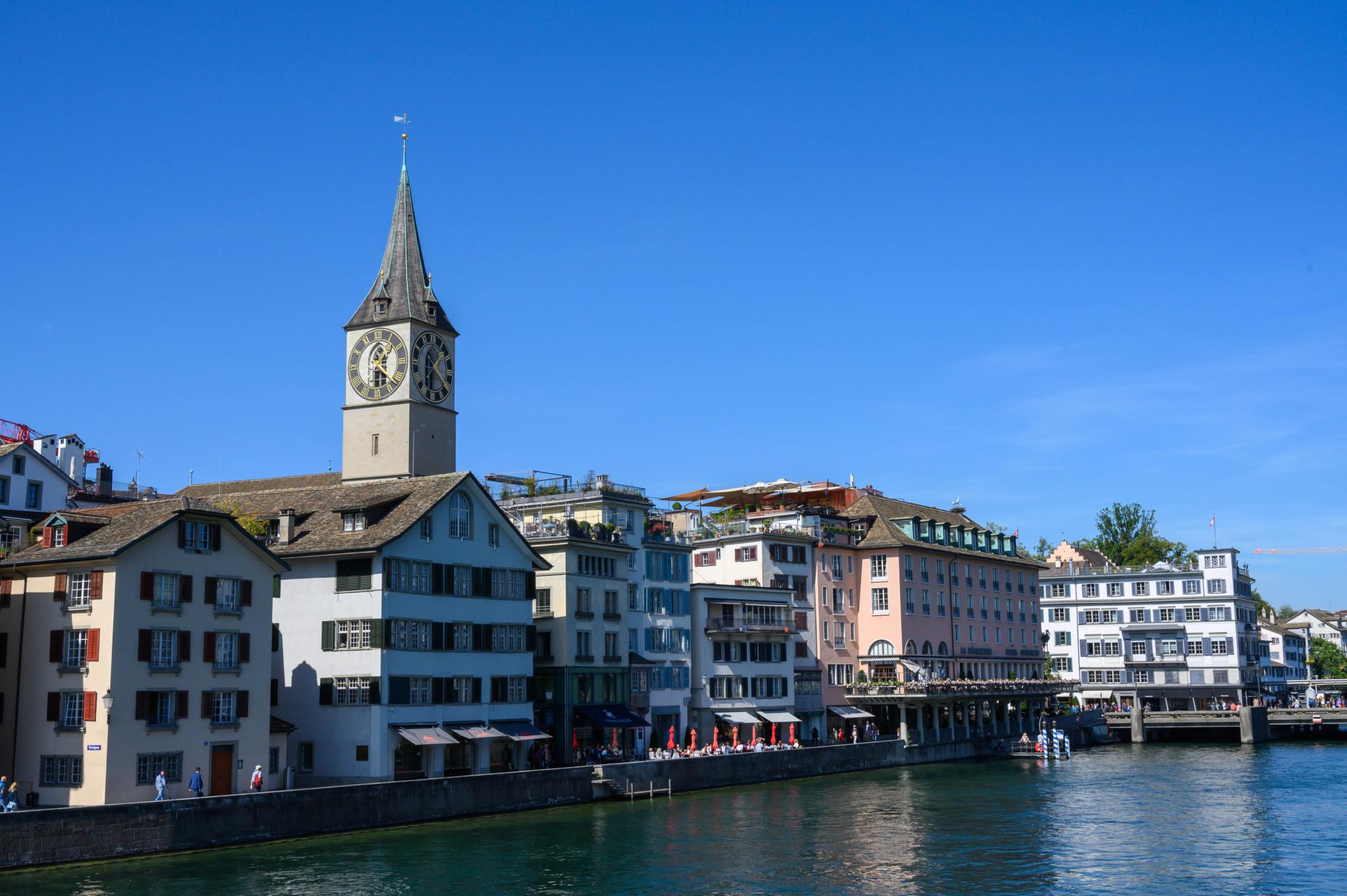 St. Peter gehört zu den Zürich Sehenswürdigkeiten