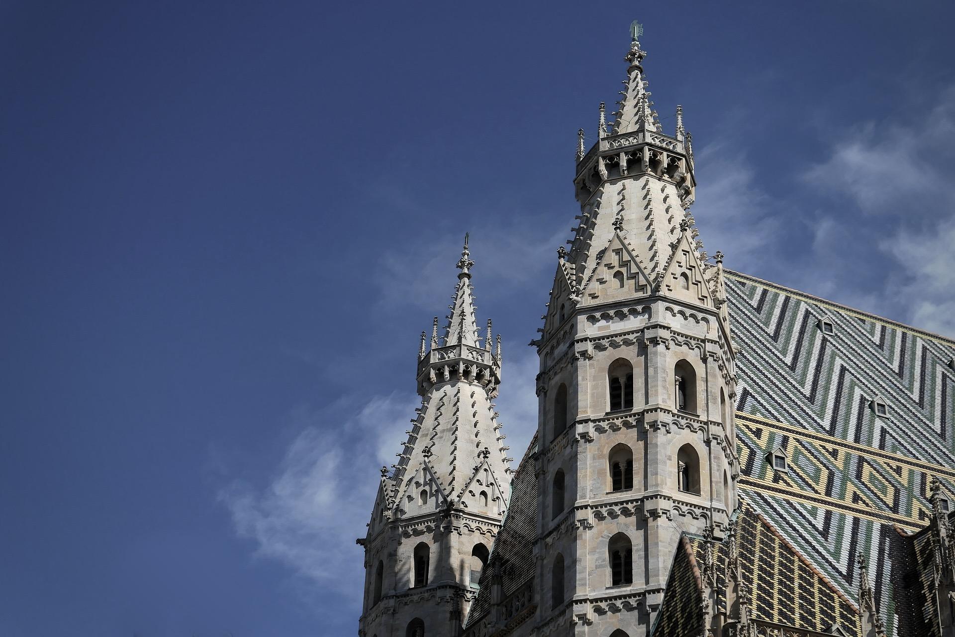 Der Stephansdom in Wien mit seinen Türmen