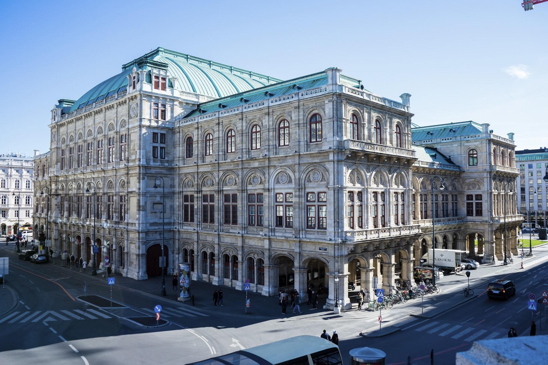 Die Wiener Staatsoper am Ring ist eine weltberühmte Attraktion