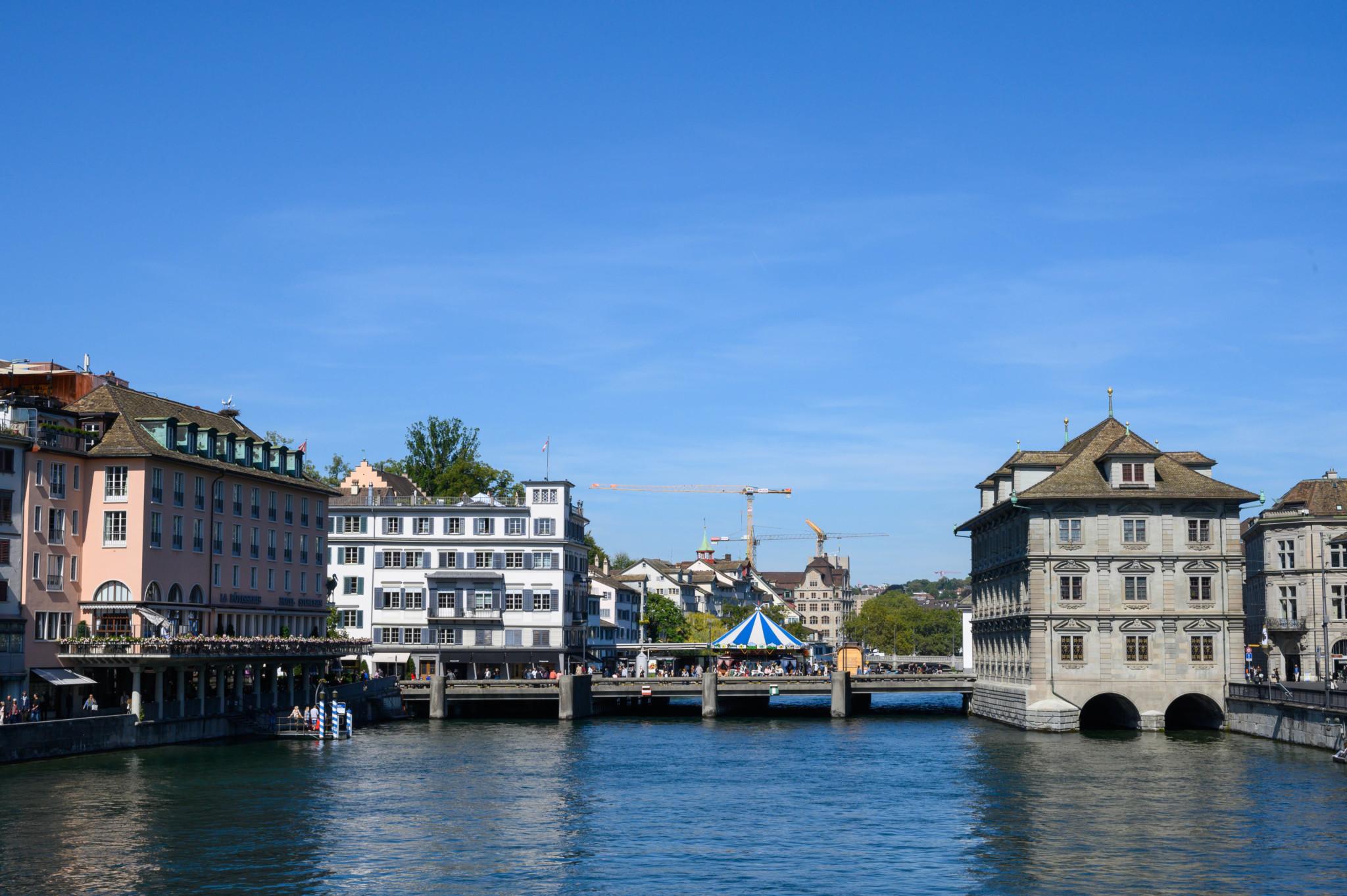 Das Rathaus von Zürich darf nicht fehlen