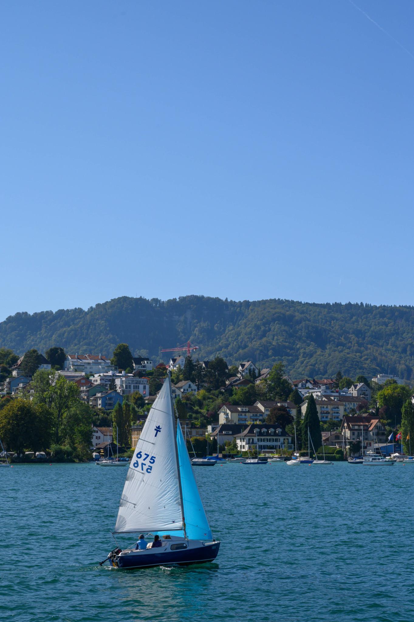 Mit dem Boot über den Zürichsee