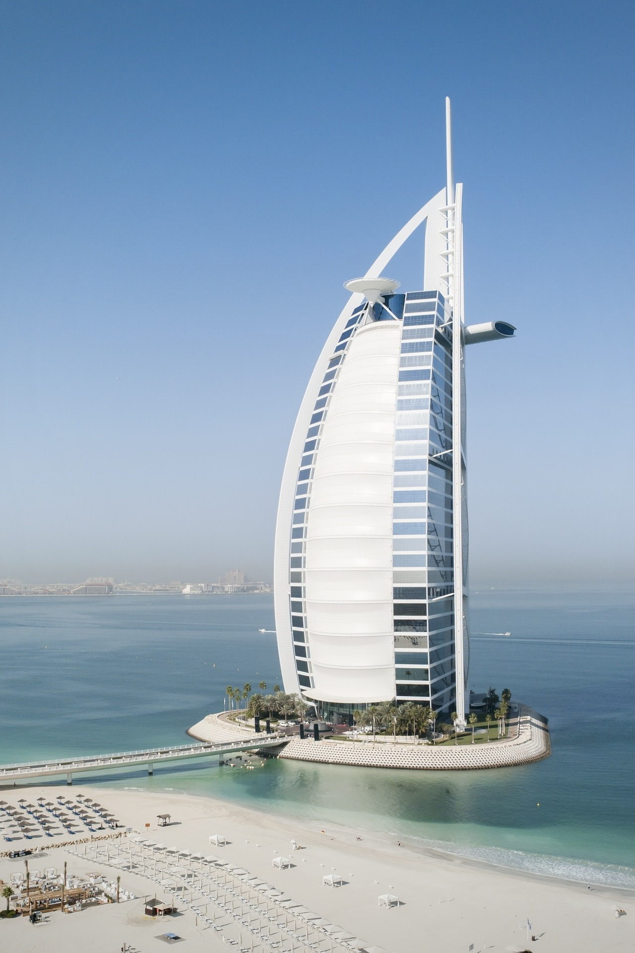 Der Burj al Arab ist das bekannteste Gebäude im Nahen Osten