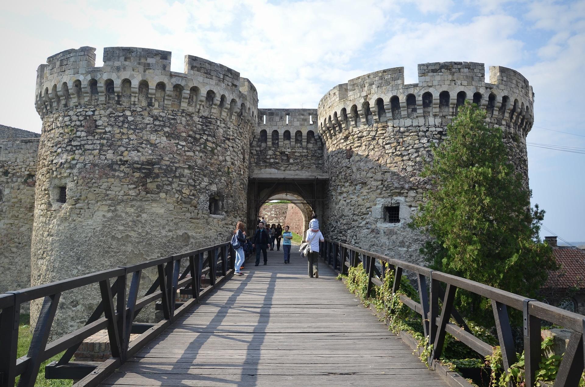 Die Festung in Belgrad ist eine Sehenswürdigkeit bei einer Städtereise