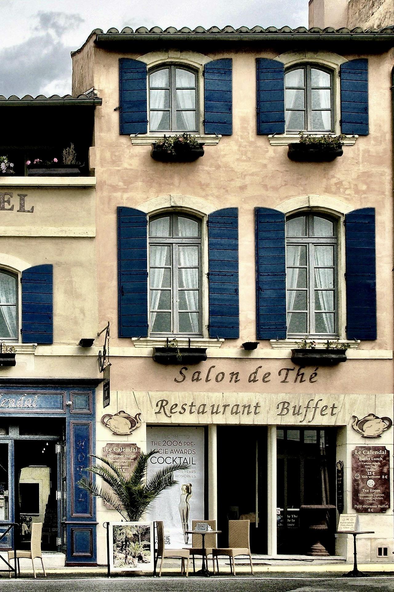 Hübsche Gasse in Frankreich